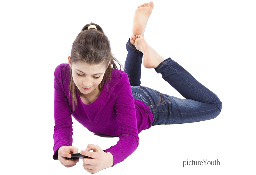 File:Young girl with smart phone.jpg
