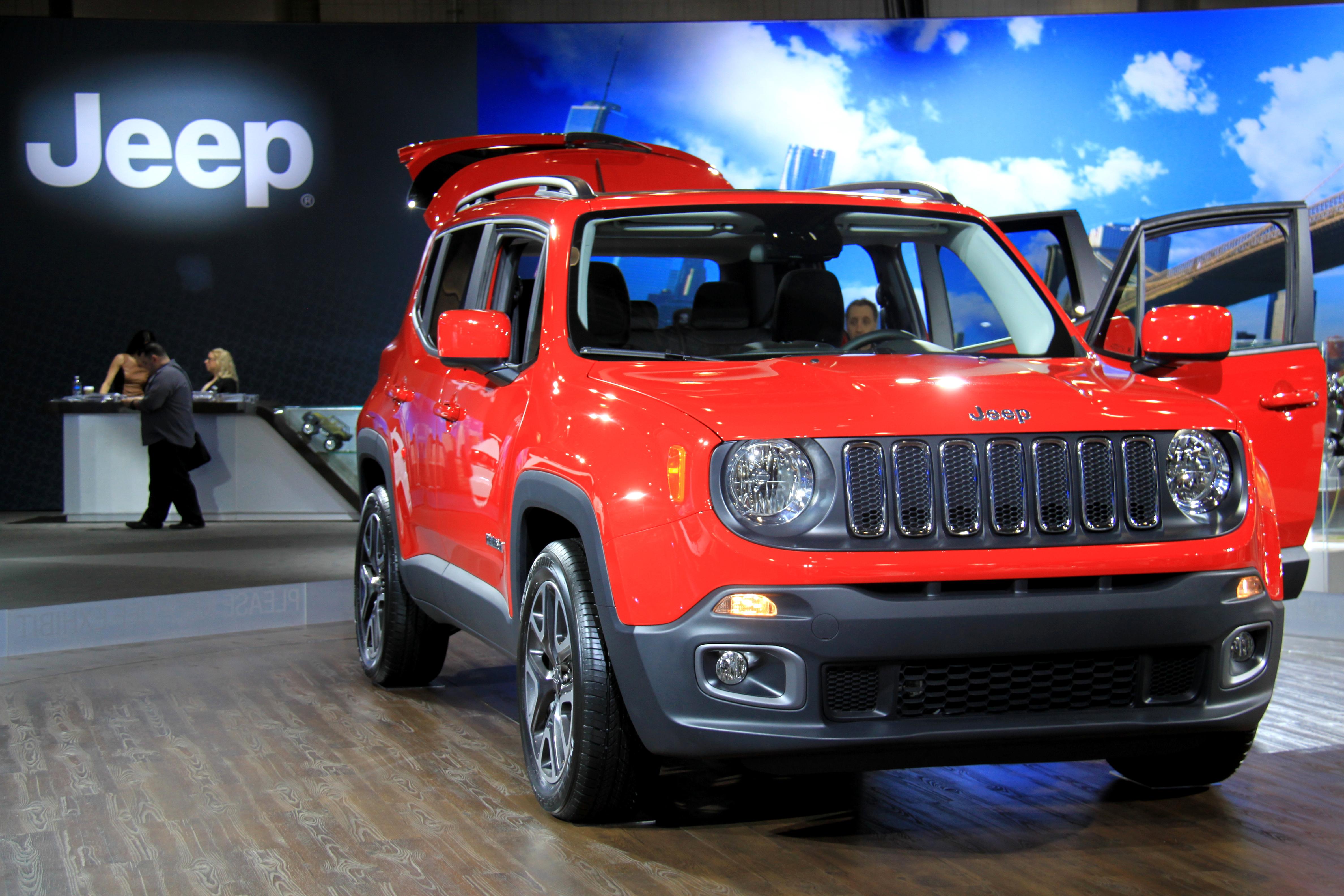 renegade girlinthetrunk fullsizerender jeep