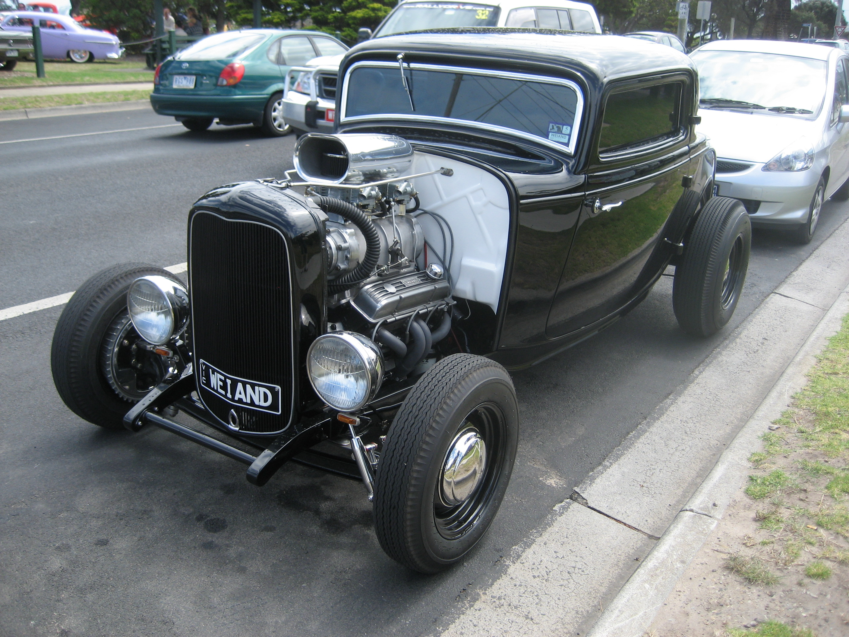File:1932 Ford 3 Window Coupe Hot Rod (7).jpg - Wikimedia Commons
