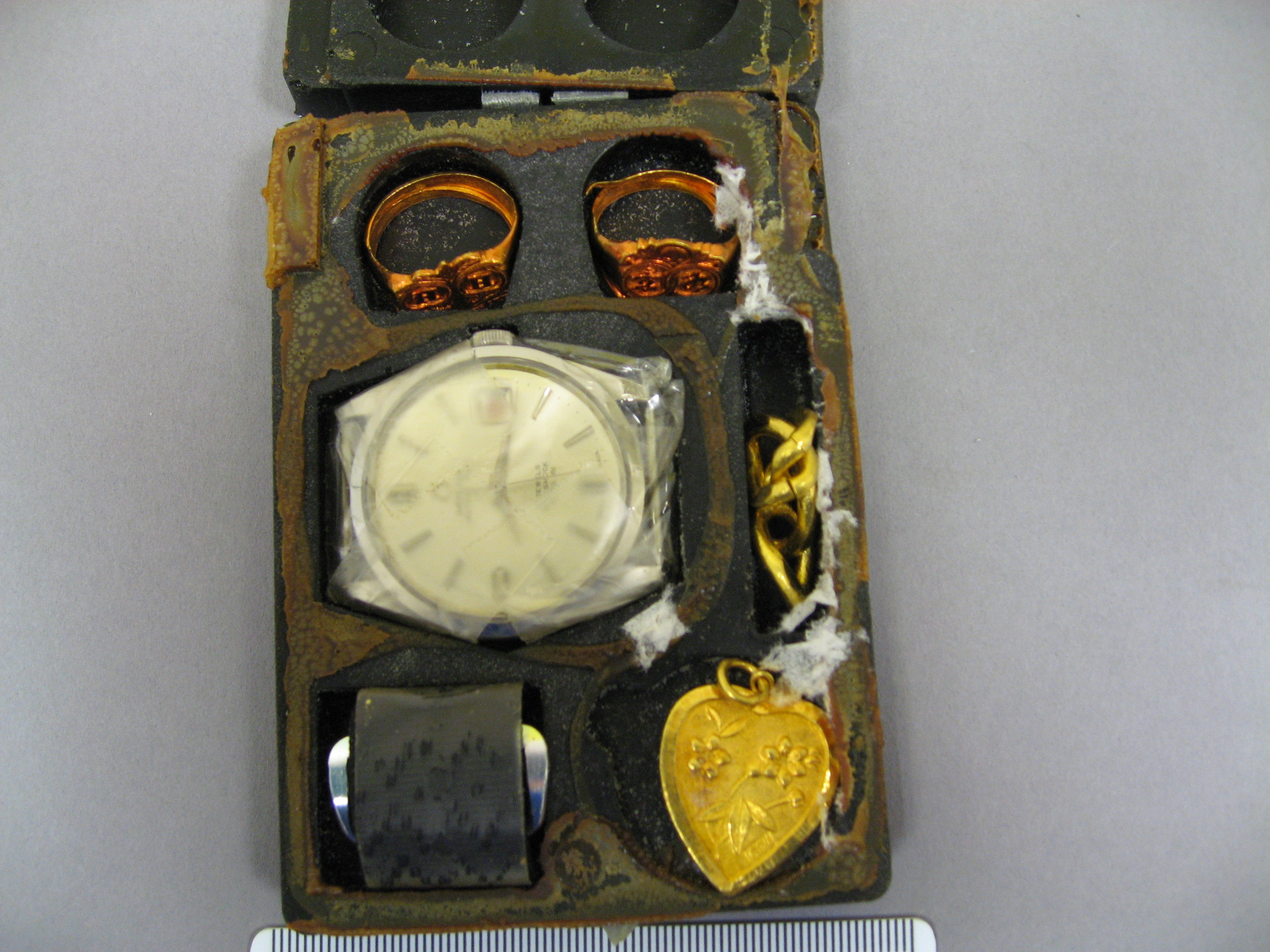 File 80 55 E Us Navy Escape And Evasion Barter Kit South