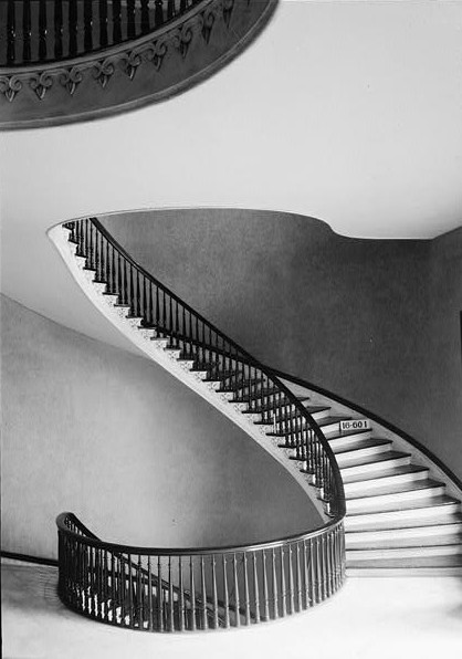 File:Alabama-State-Capitol-spiral-staircase.jpg