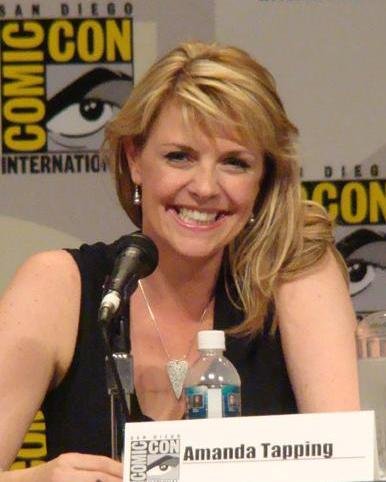 Tapping at Comic Con 2007 in San Diego AmandaTapping (2).jpg