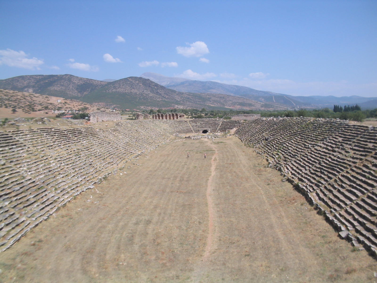 File:Aphrodisias stadium.jpg - Wikimedia Commons