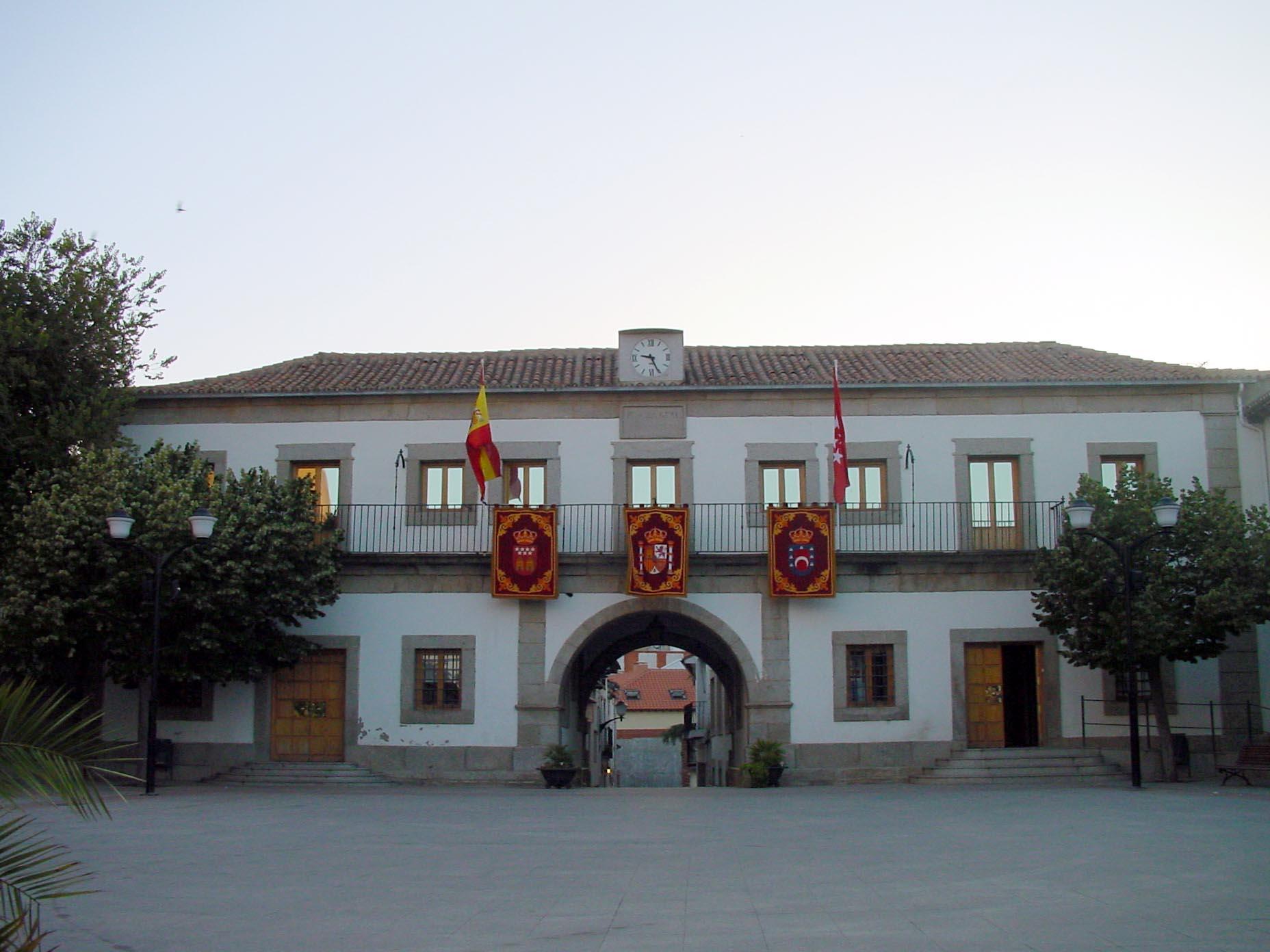 File ayuntamiento de san mart n de for Piscina climatizada san martin de valdeiglesias
