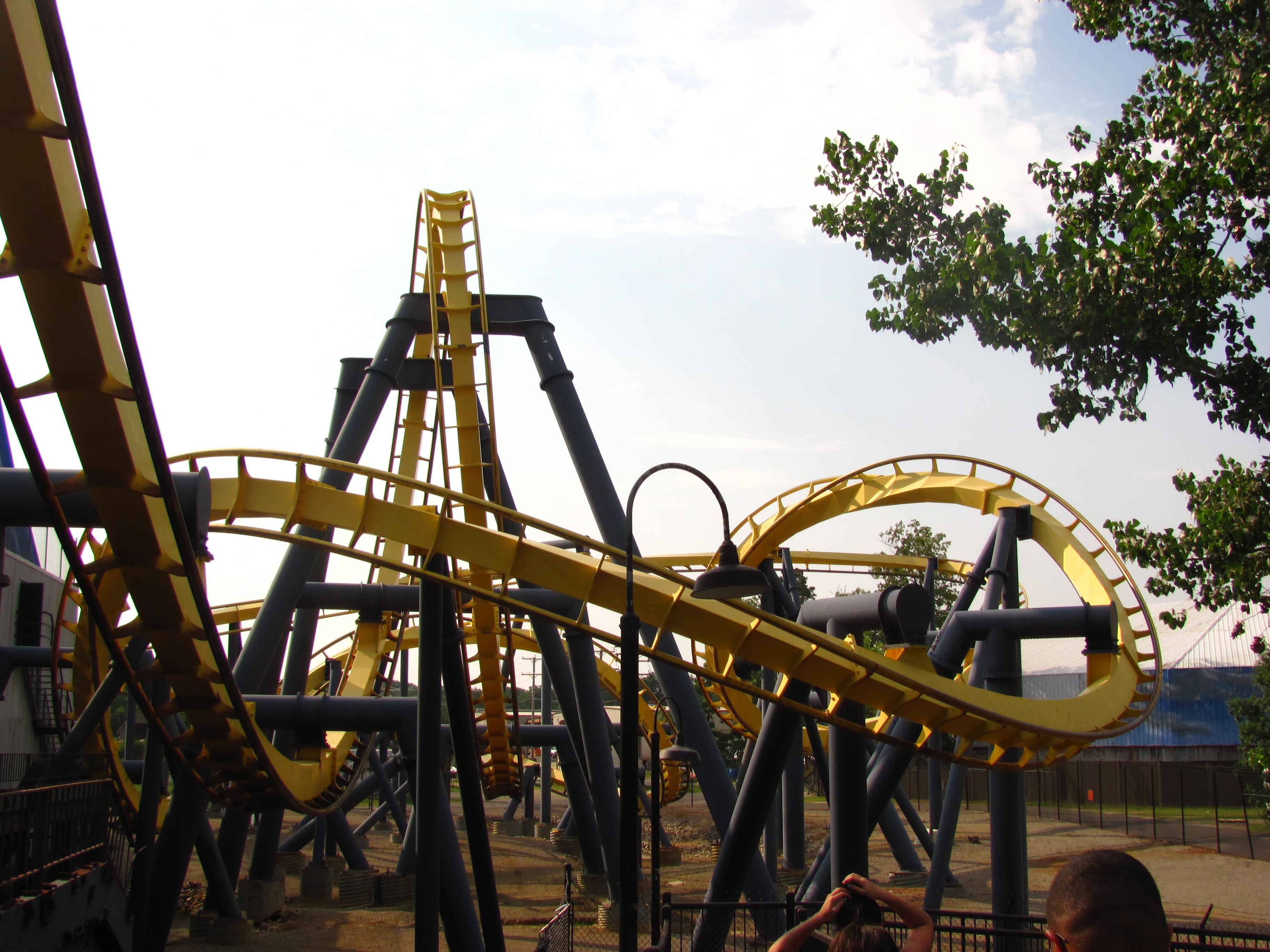 Batman_The_Ride_at_Six_Flags_Great_Adventure_05.jpg