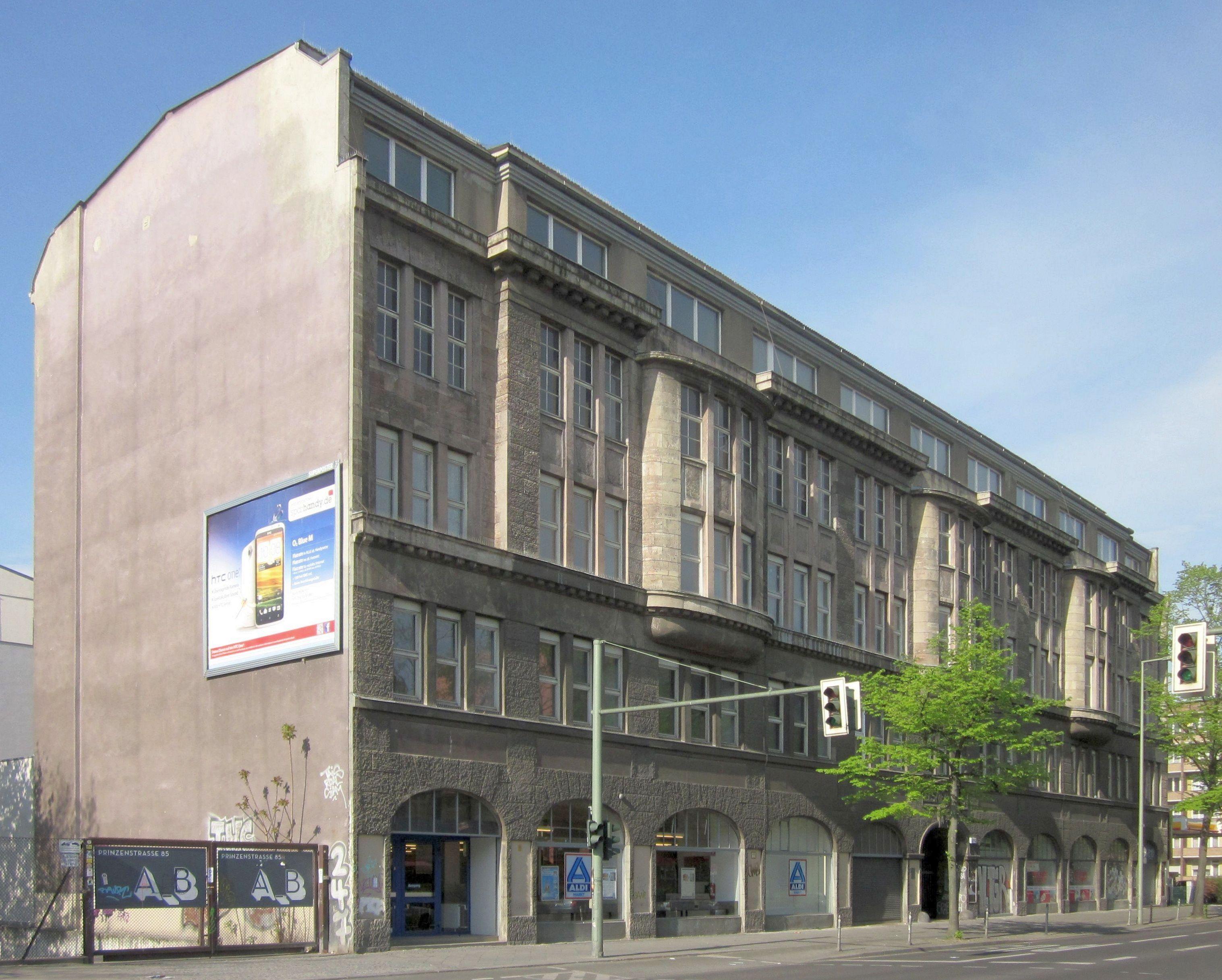 datei berlin kreuzberg oranienstrasse 140 142 elsner wikipedia. Black Bedroom Furniture Sets. Home Design Ideas