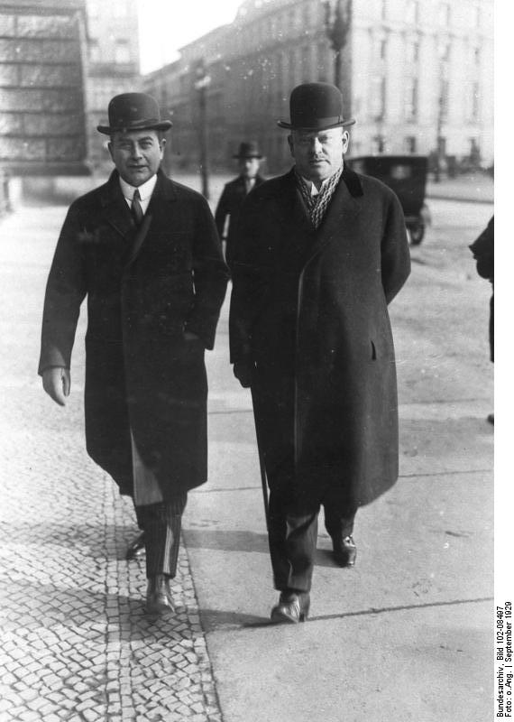 Bundesarchiv Bild 102-08497, Berlin, Julius Curtius, Gustav Stresemann.jpg