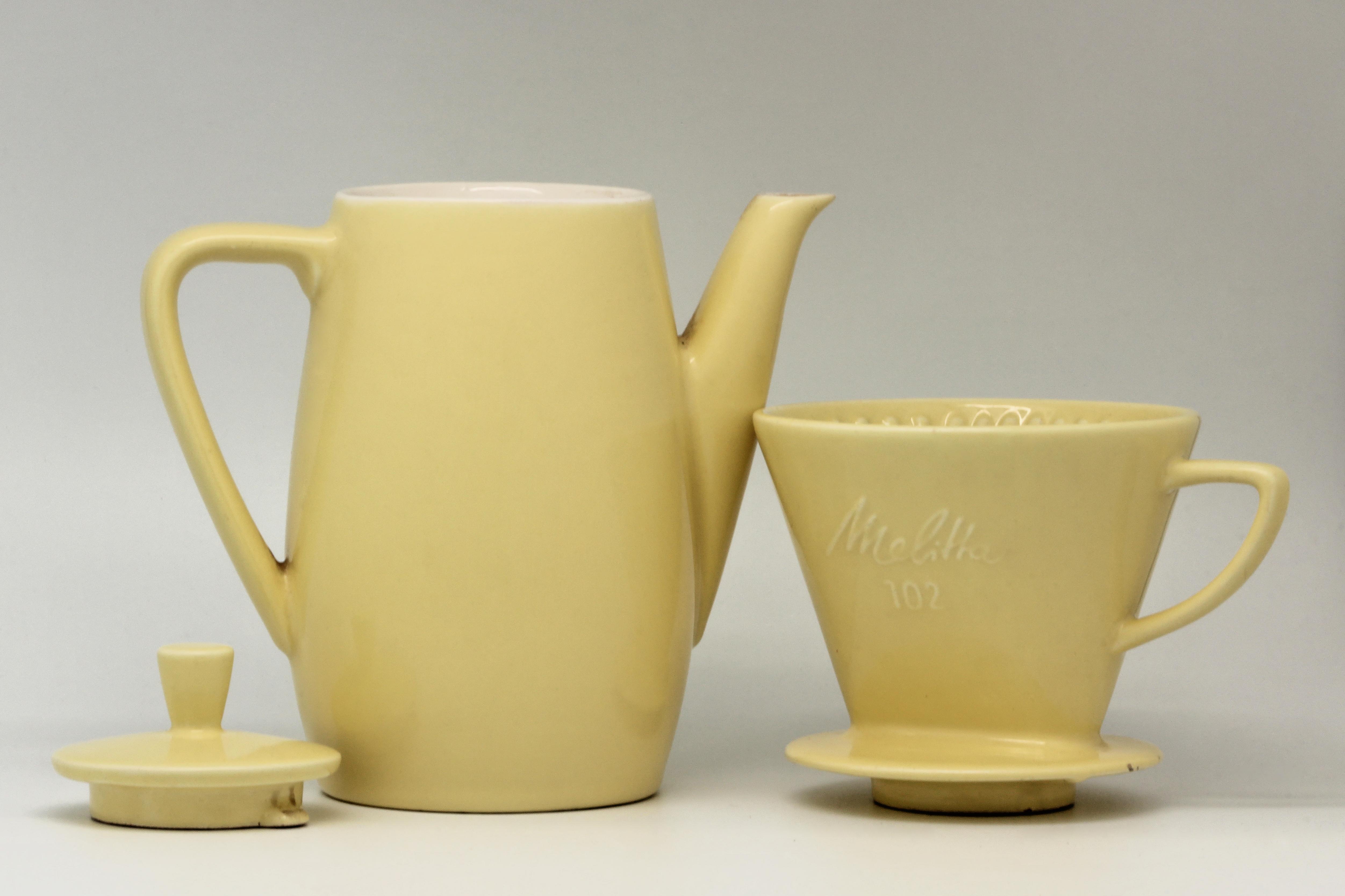 file cafeti re filtre melitta 102 en fa ence jaune 11. Black Bedroom Furniture Sets. Home Design Ideas