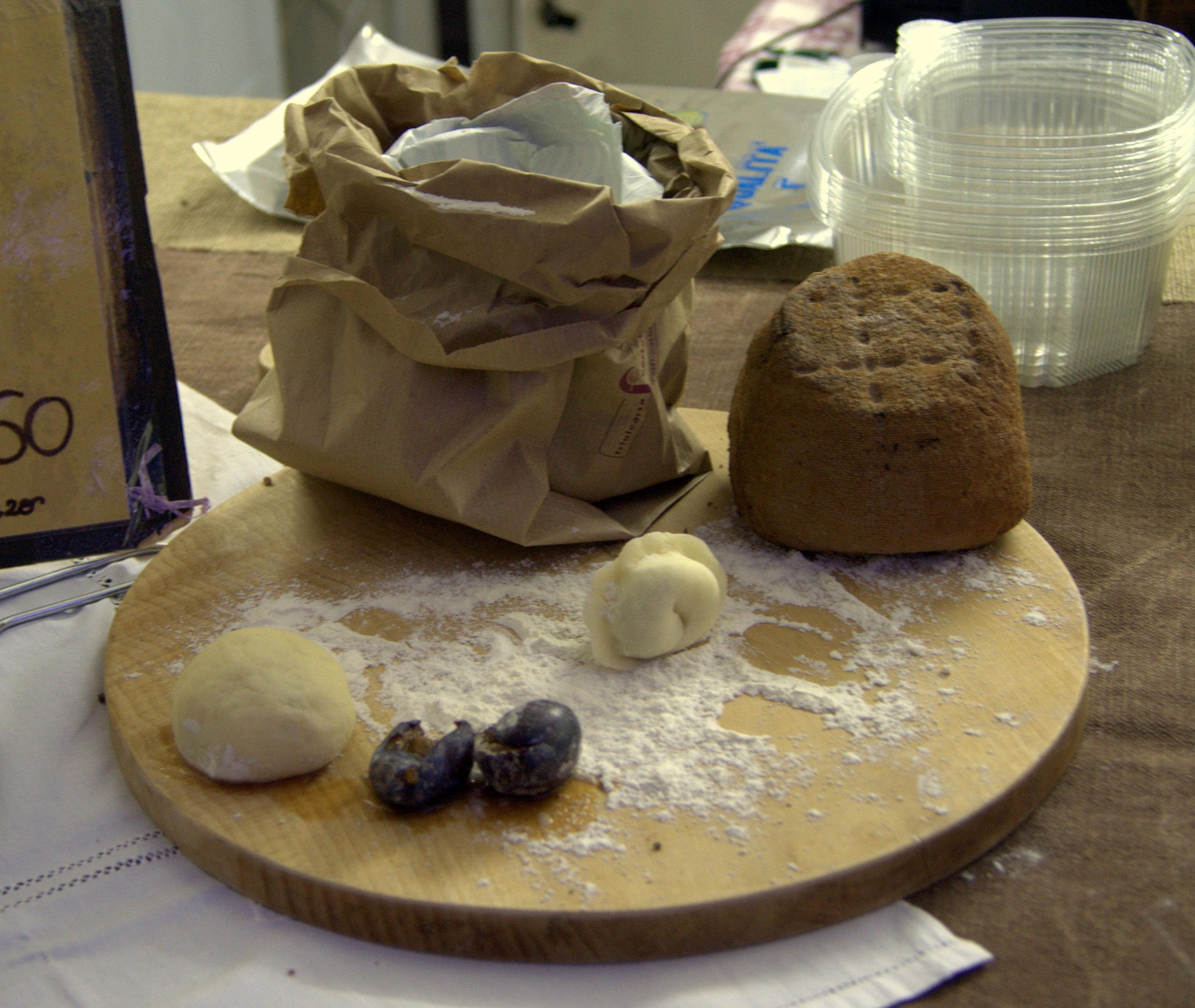 La preparazione dei cjarsons, tipici gnocchi della cucina friulana