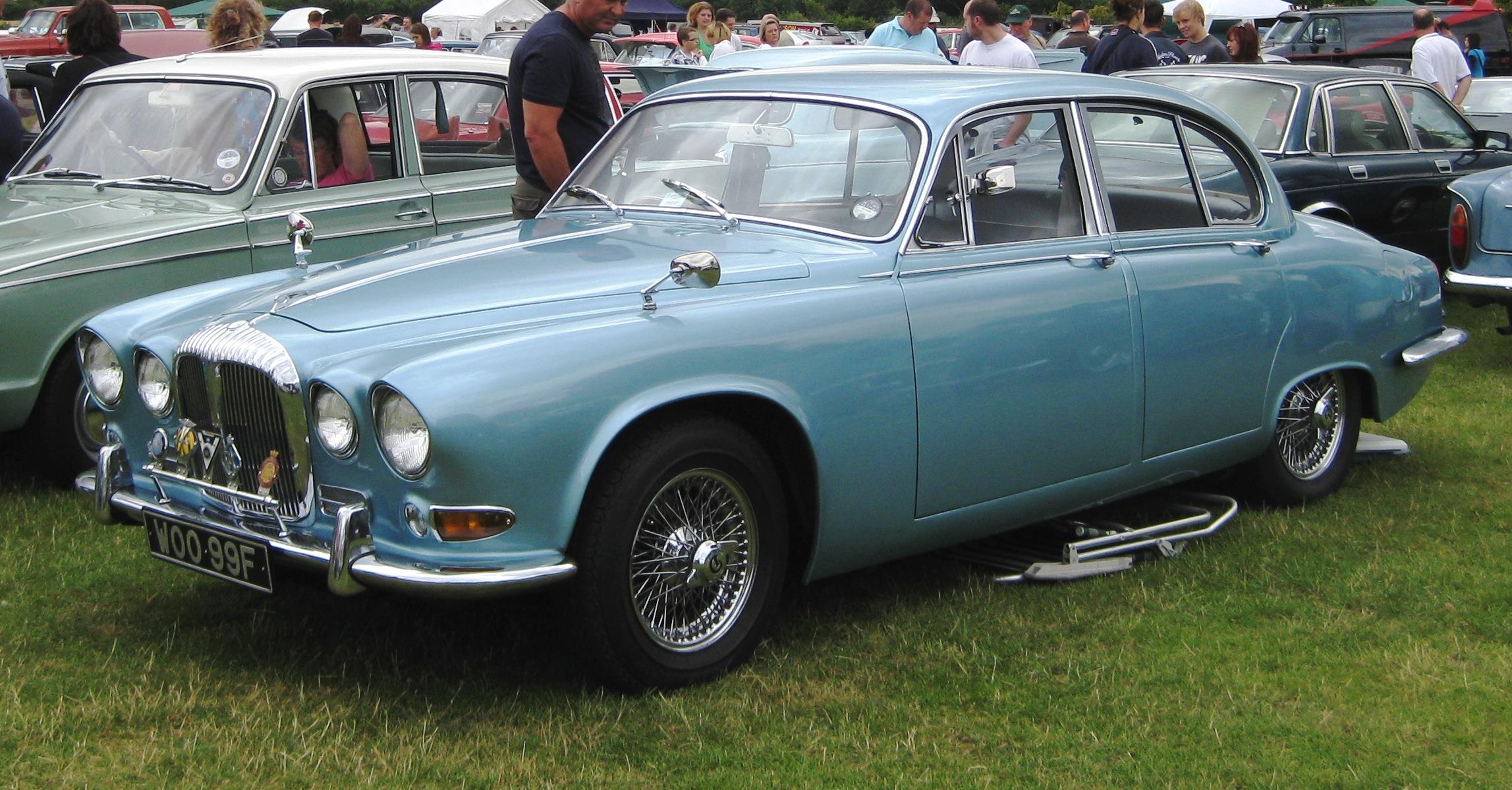 File:Daimler Sovereign 4235cc October 1967.JPG - Wikimedia ...