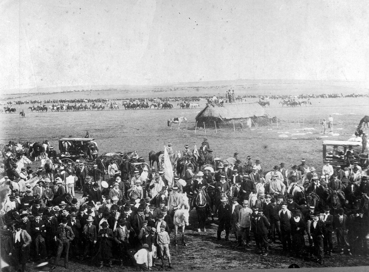 Aparicio Saravia en el desfile militar del 30 de marzo de 1903 en Nico Pérez.