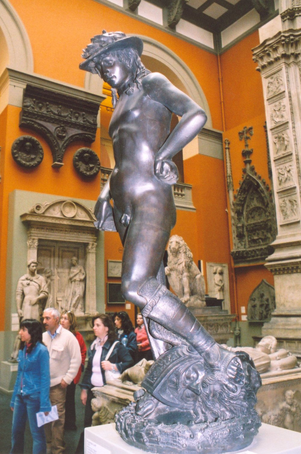 donatellos david Laser technology has revealed that donatello's david, one of the most important statues of the italian renaissance, was once decorated with gold leaf.