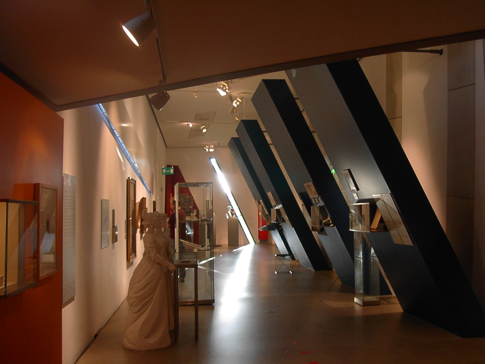File:Exhibit-view-Jewish- Museum-Berlin.JPG - Wikimedia ...