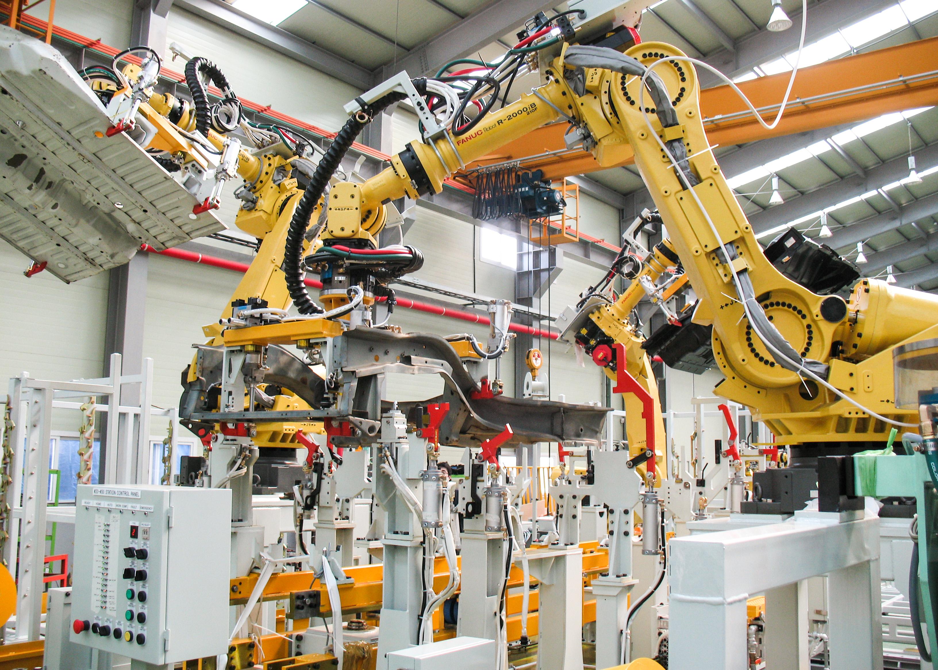 конвейер автомобилей роботы