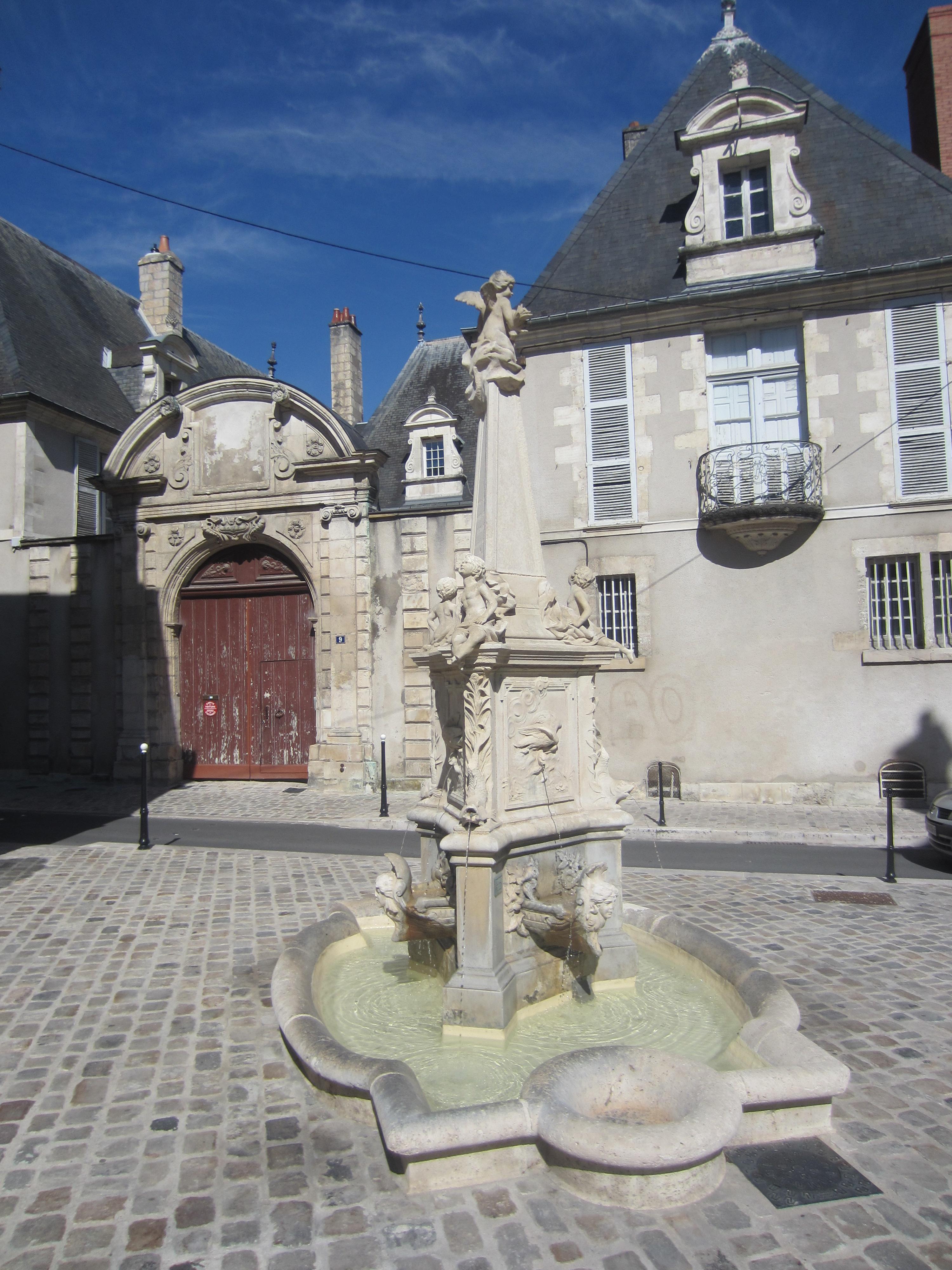 Fontaine Lebon à Bourges