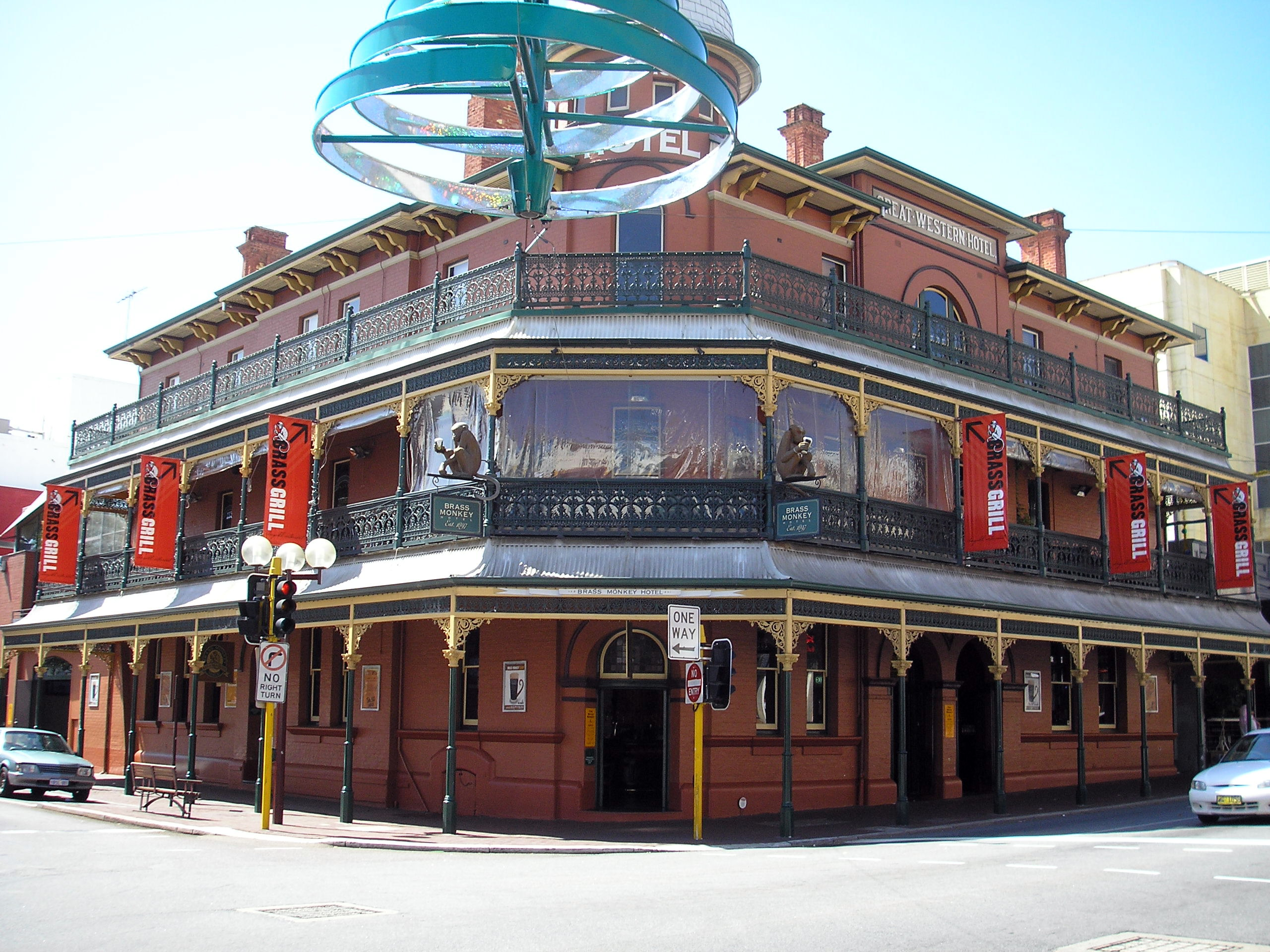 File:Great Western Hotel-Brass Monkey.jpg - Wikimedia Commons