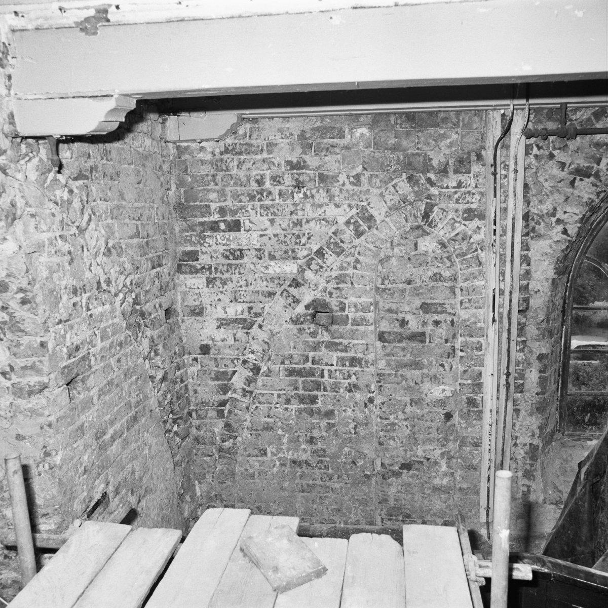 Bestand interieur gedeelte ontpleisterde muur stitswerd 20307058 wikipedia - Interieur muur ...