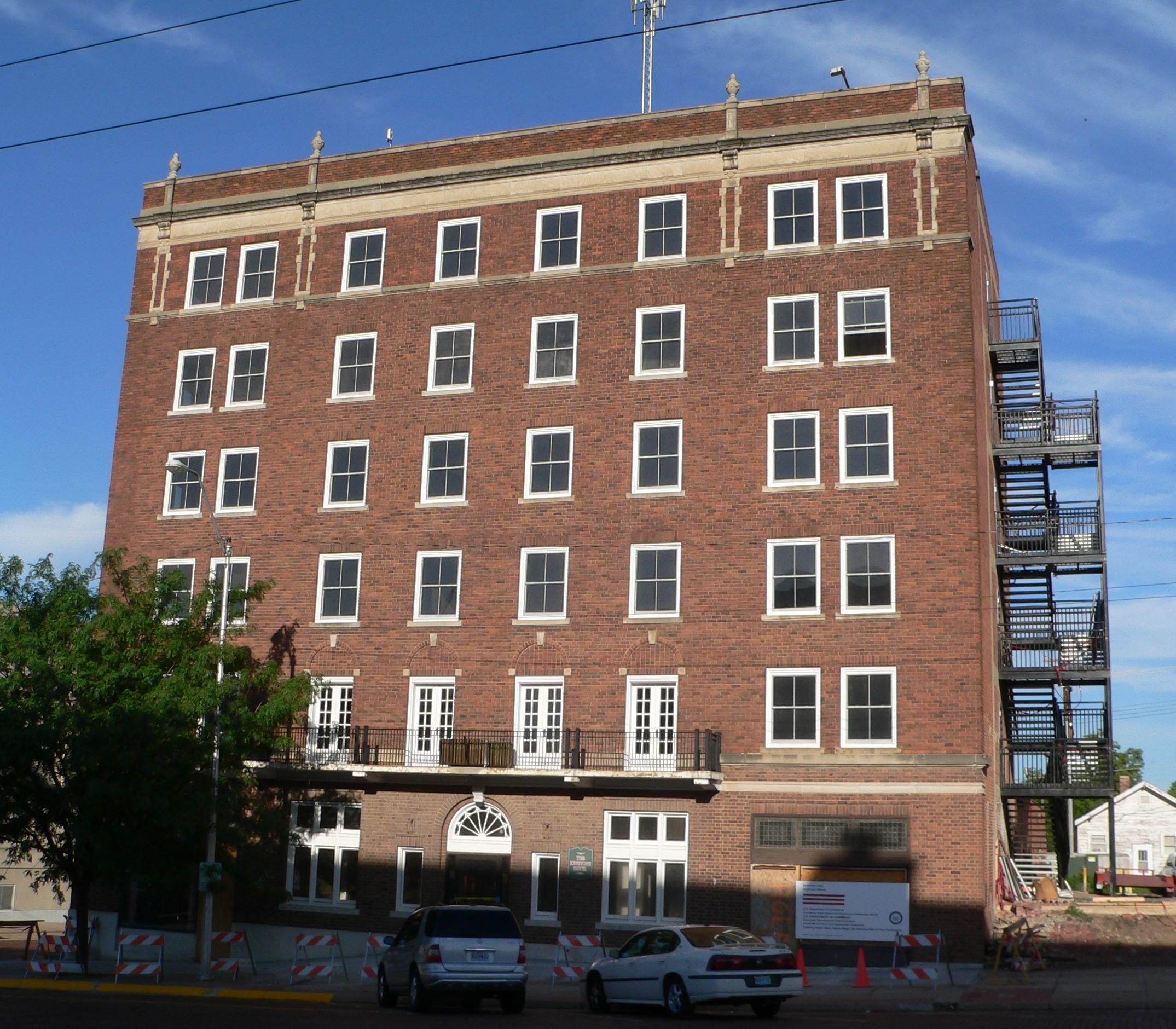 File Keystone Hotel Mccook Nebraska From E Jpg Wikimedia Commons