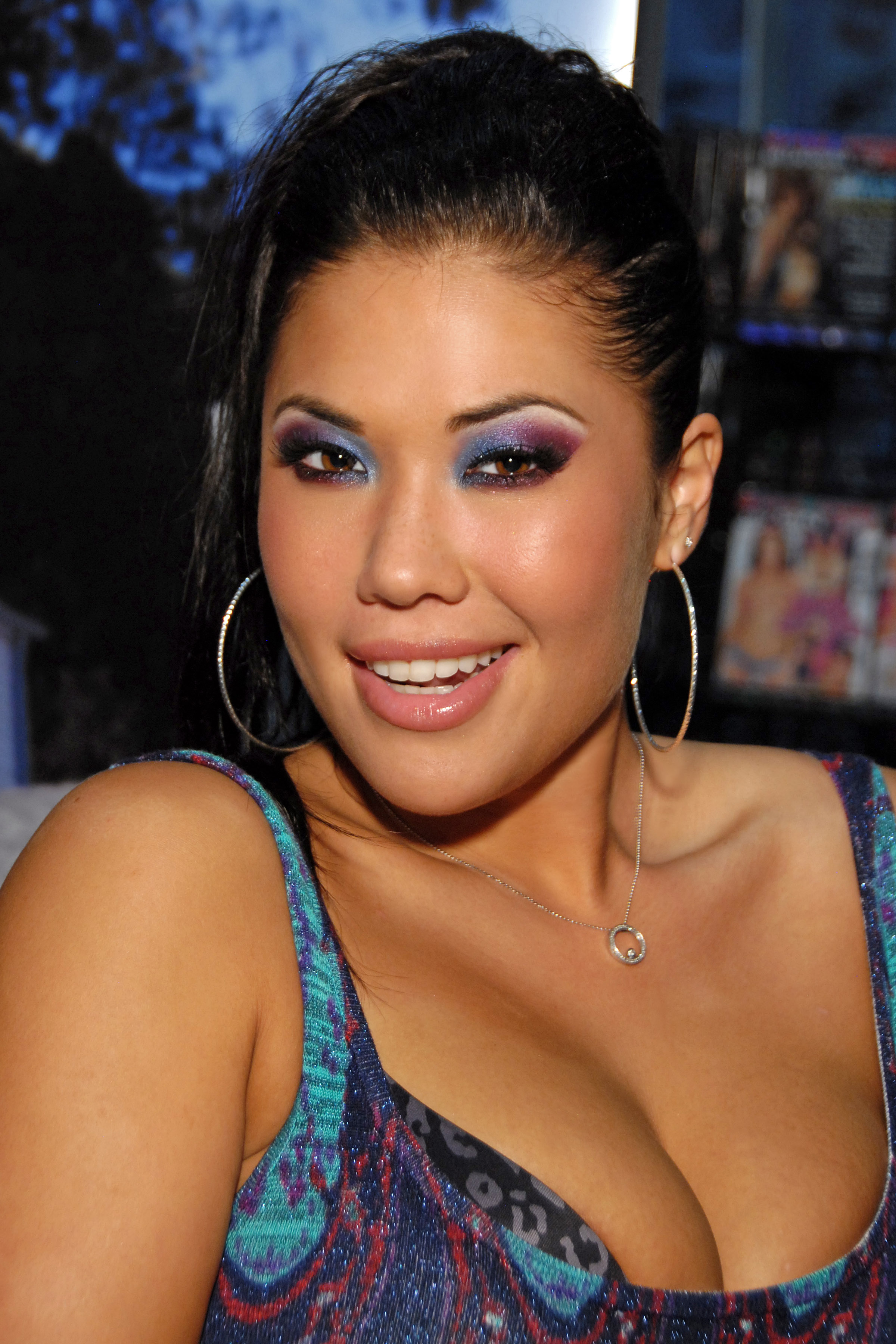 http://upload.wikimedia.org/wikipedia/commons/c/c8/London_Keyes_2011.jpg