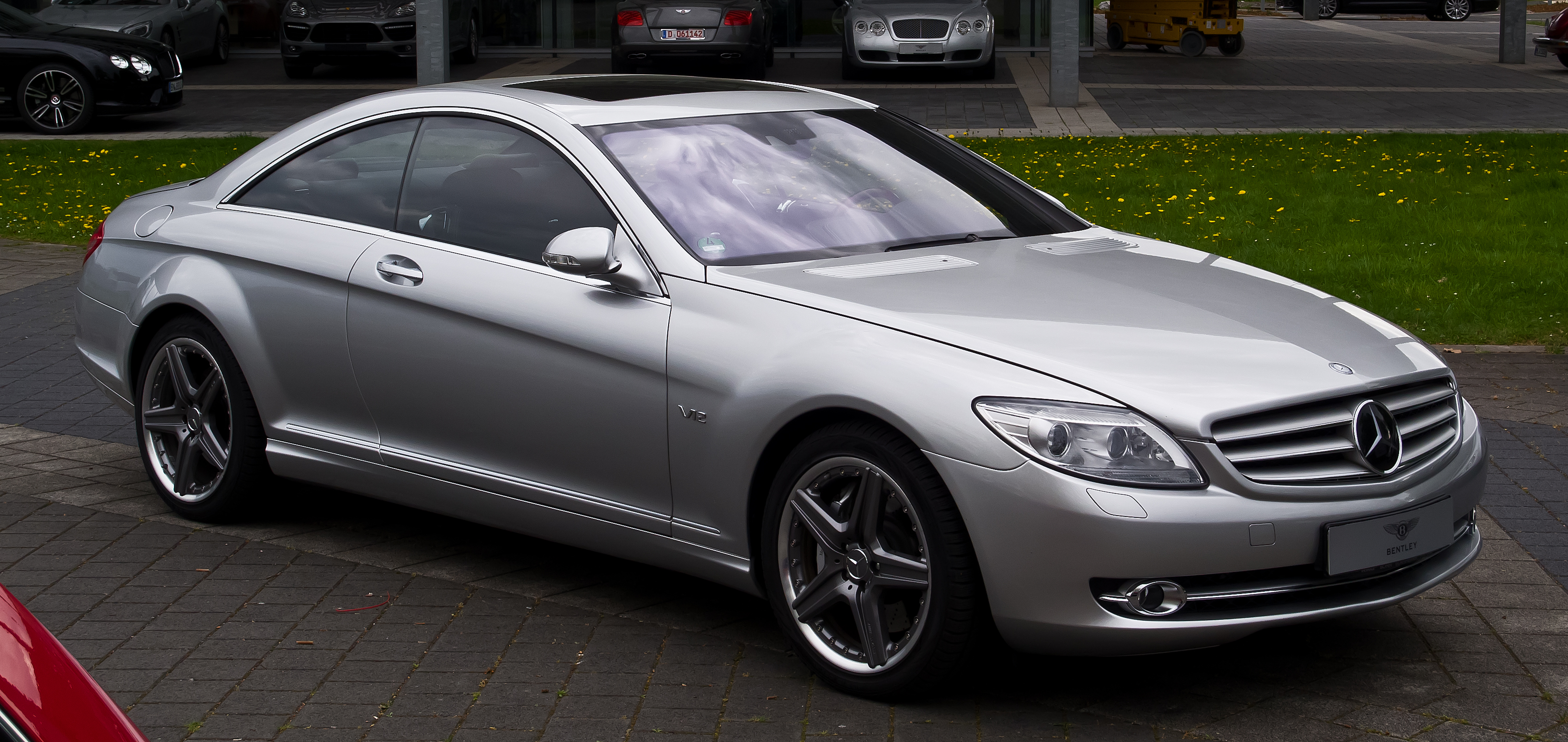 File:Mercedes-Benz CL 600 (C 216)