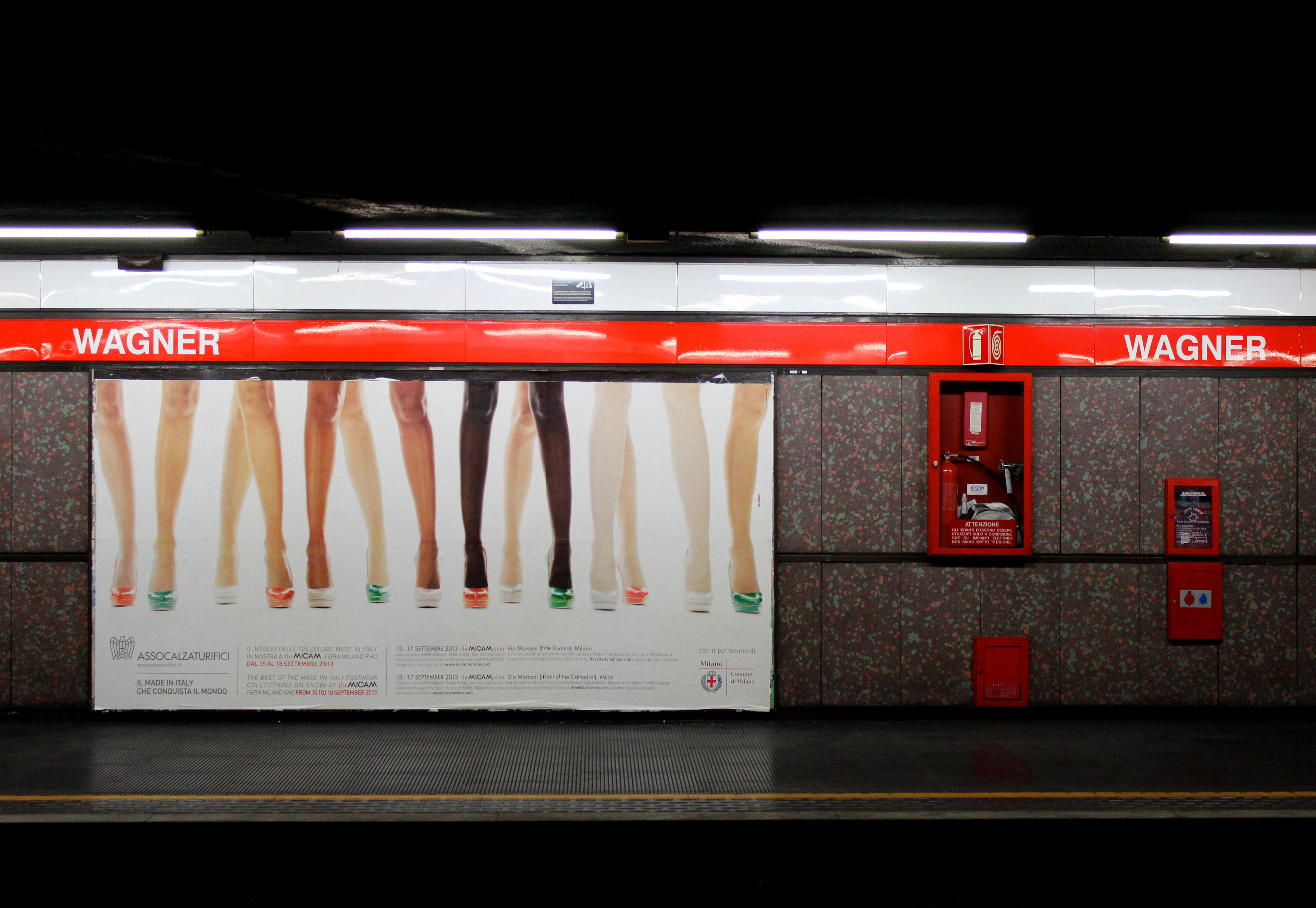 File Milano Metropolitana Wagner Jpg Wikimedia Commons