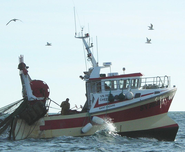 bateau de peche chalutier