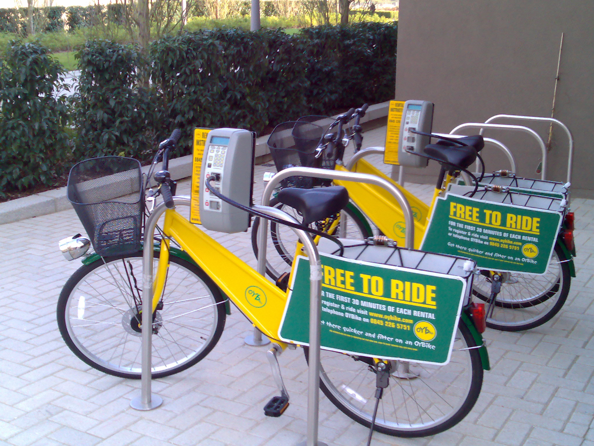 Bright yellow for OYBike in London, UK