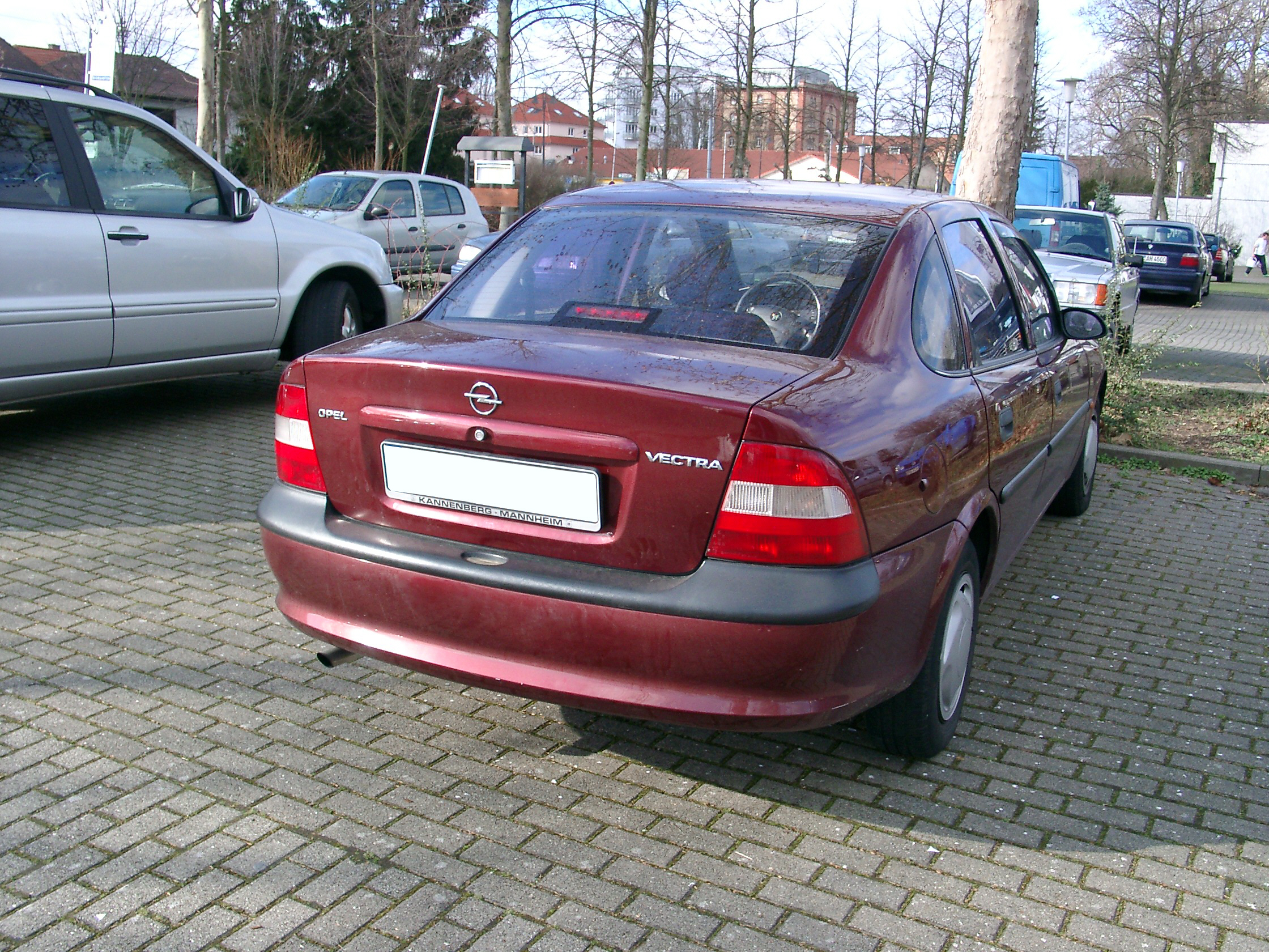 File:Opel Vectra B rear.jpg - Wikimedia Commons