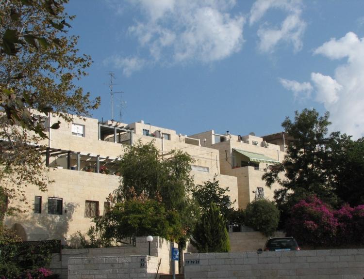 האחרון גבעת אורנים (ירושלים) – ויקיפדיה DJ-14