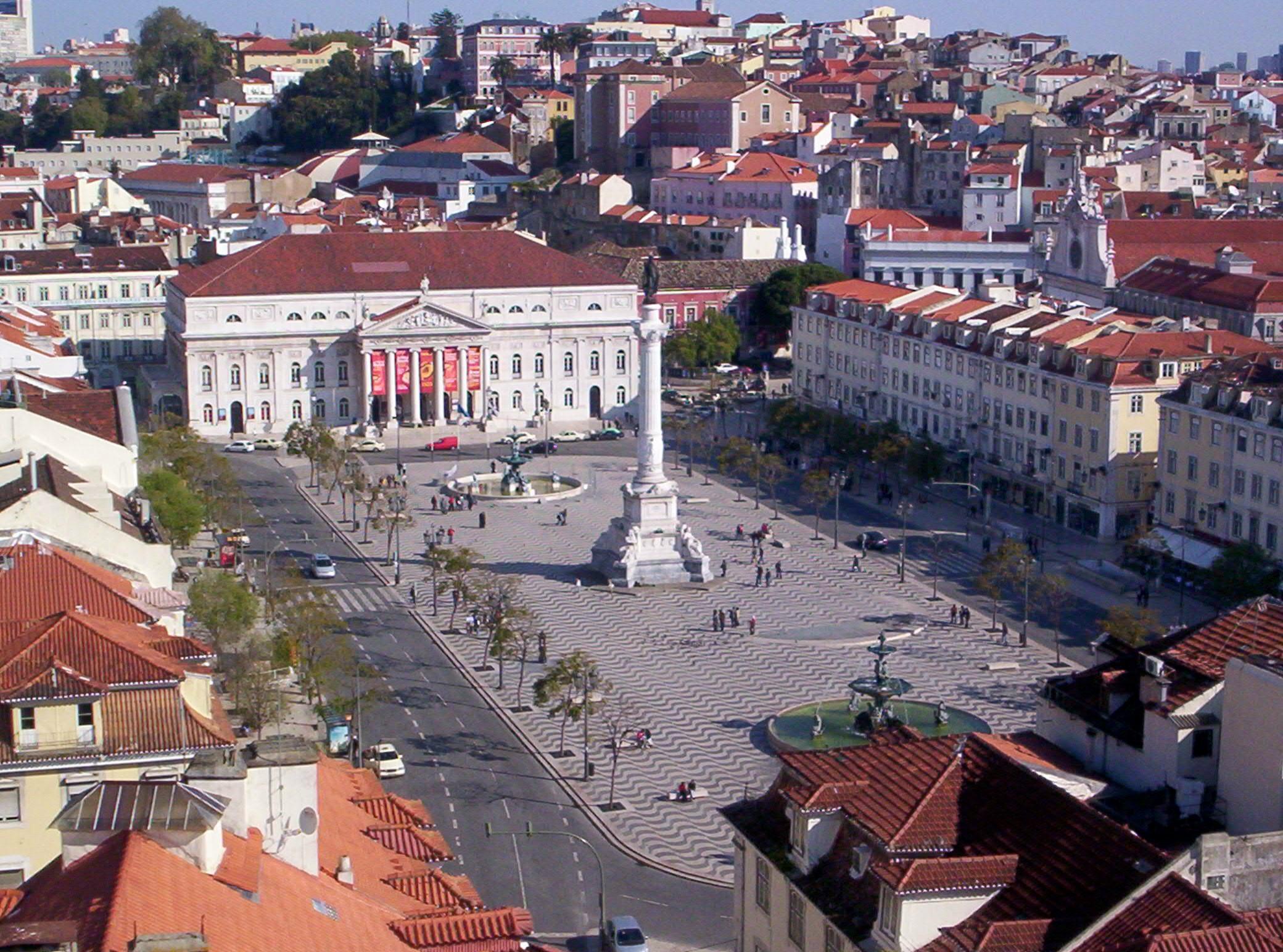 File:Praça Don Pedro IV (Rossio).jpg - Wikimedia Commons