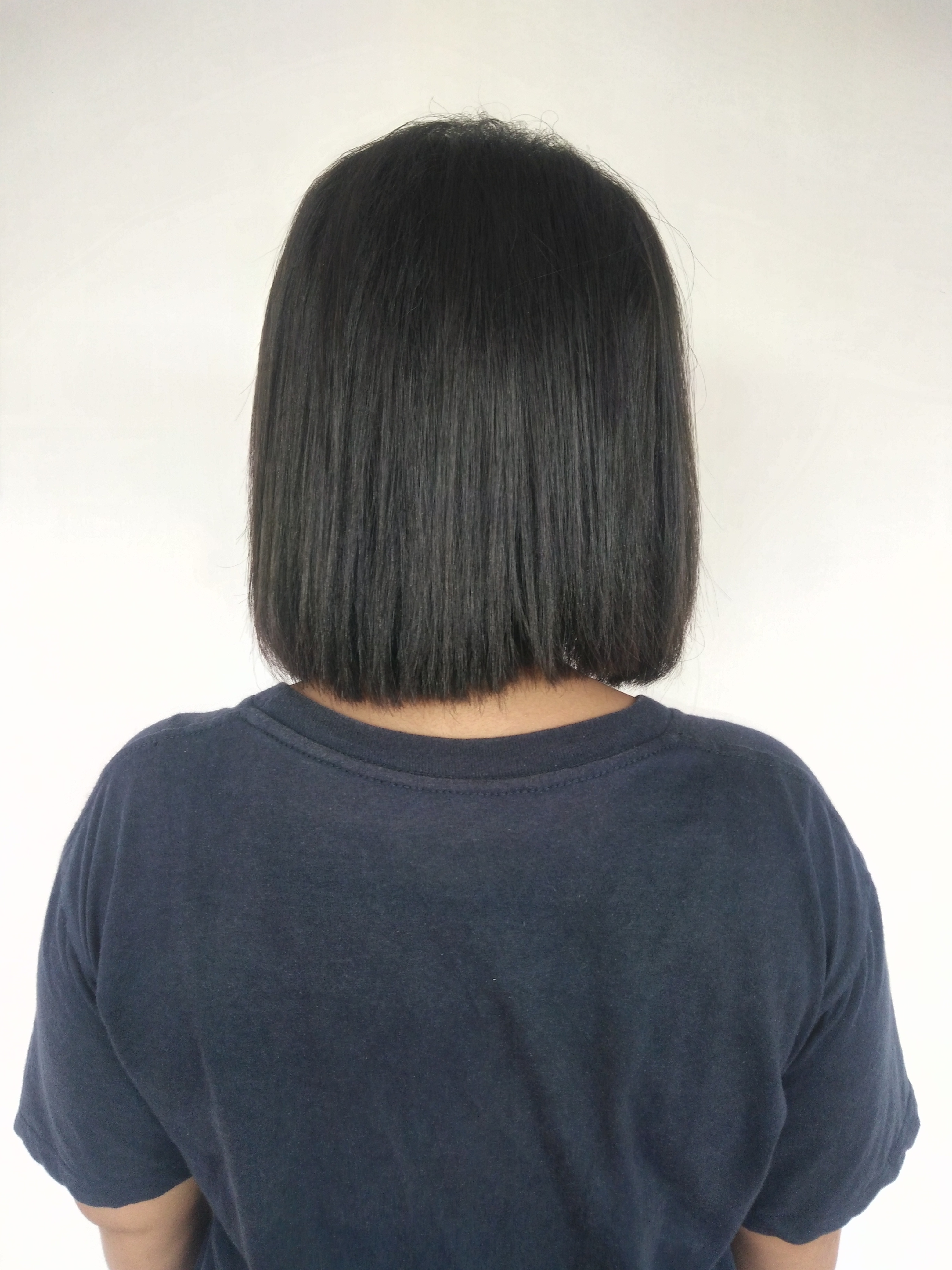 File:Rear view of woman with short black hair (2).jpg ...