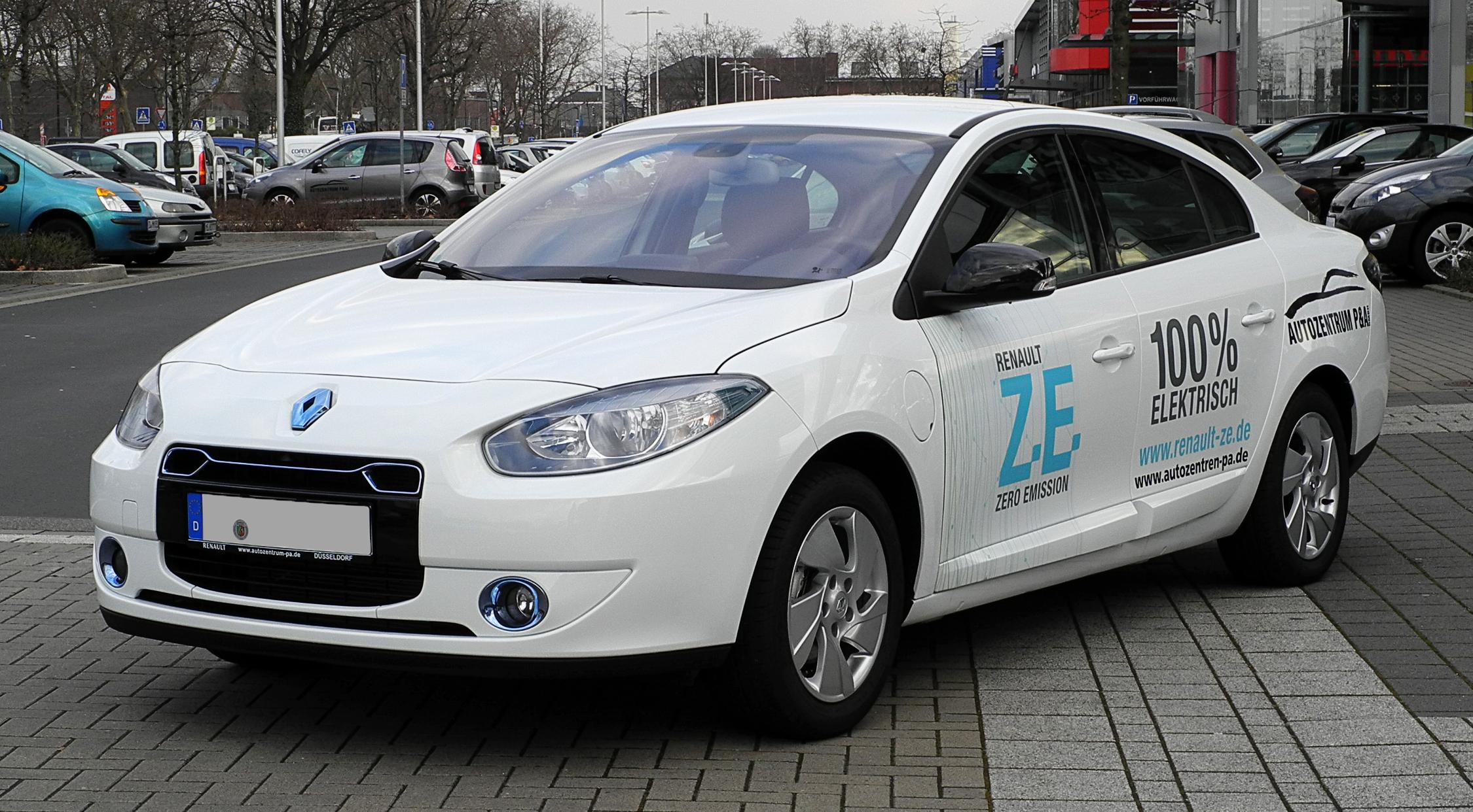 File:Renault Fluence Z.E. – Frontansicht, 25. Februar 2012 ...