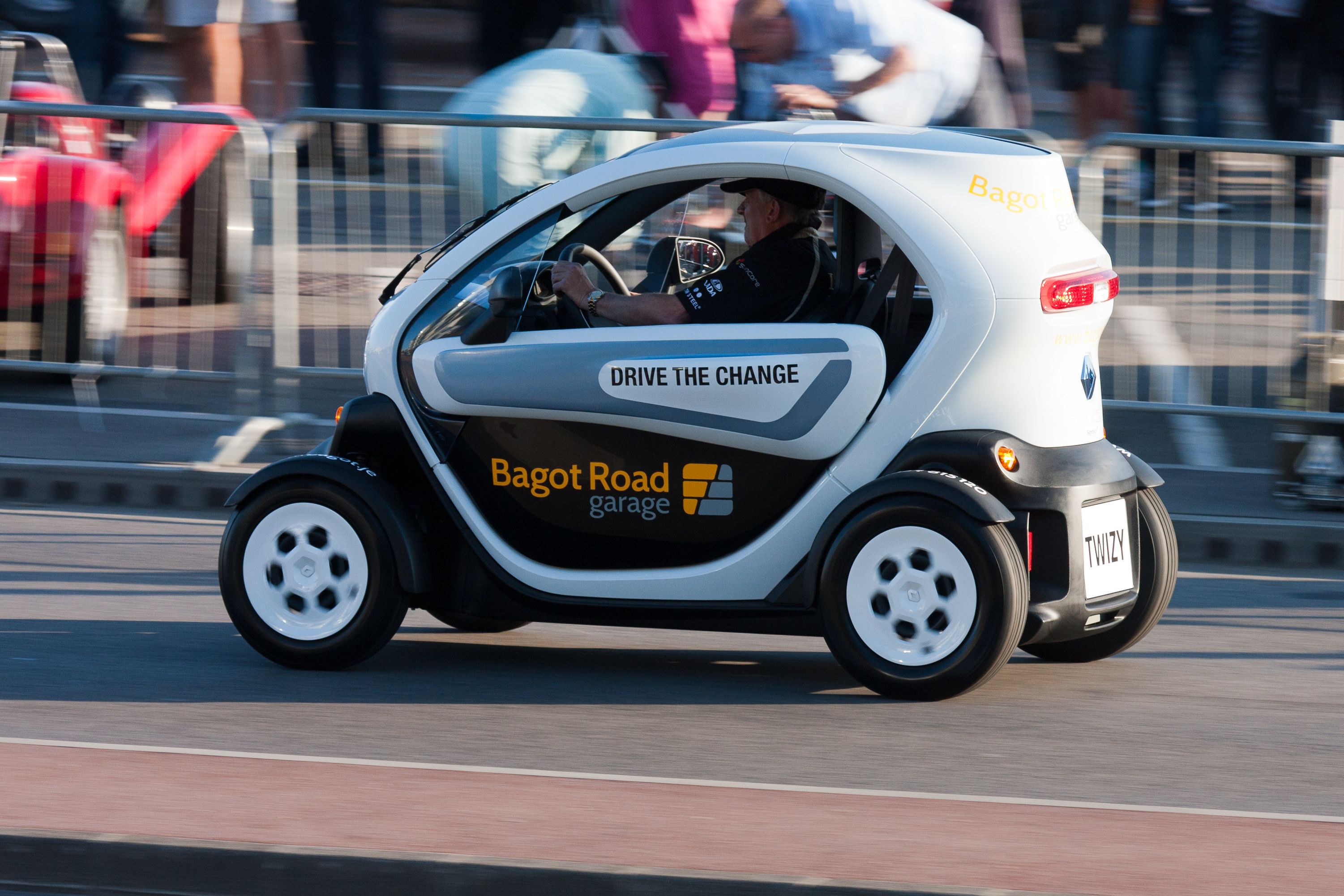 File Renault Twizy Electric Car Jpg Wikimedia Commons