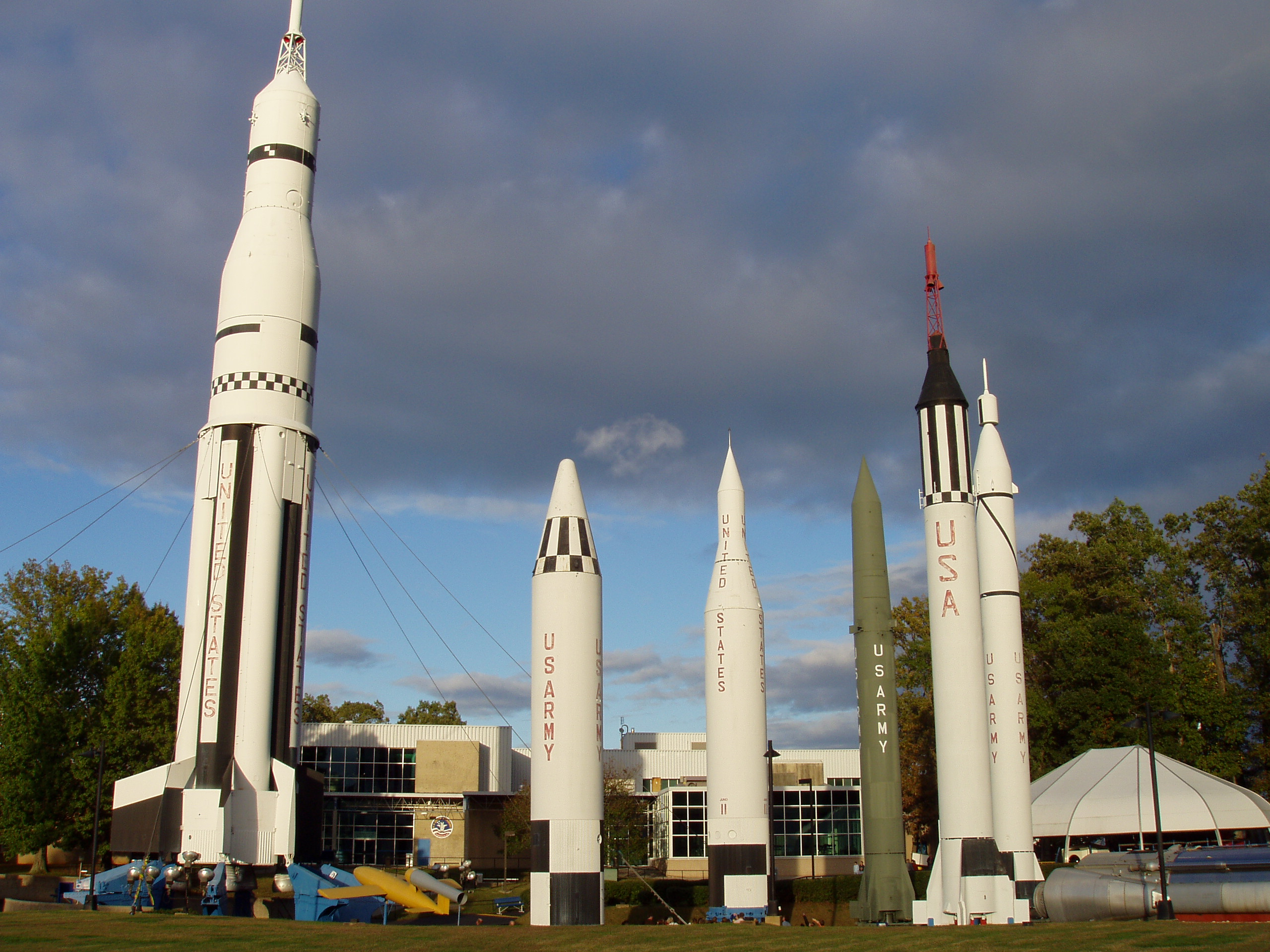 File:Rockets in Huntsville Alabama.JPG