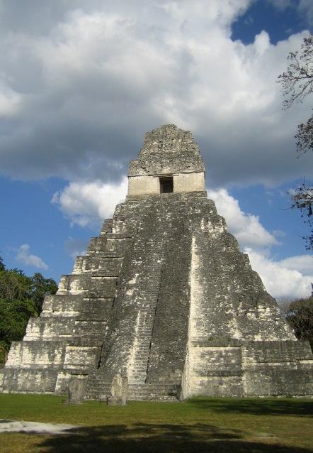 Tempel1 Tikal.jpg
