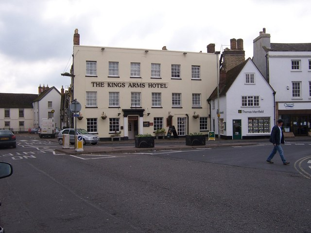 The King's Arms Hotel - Bicester - geograph.org.uk - 1032131