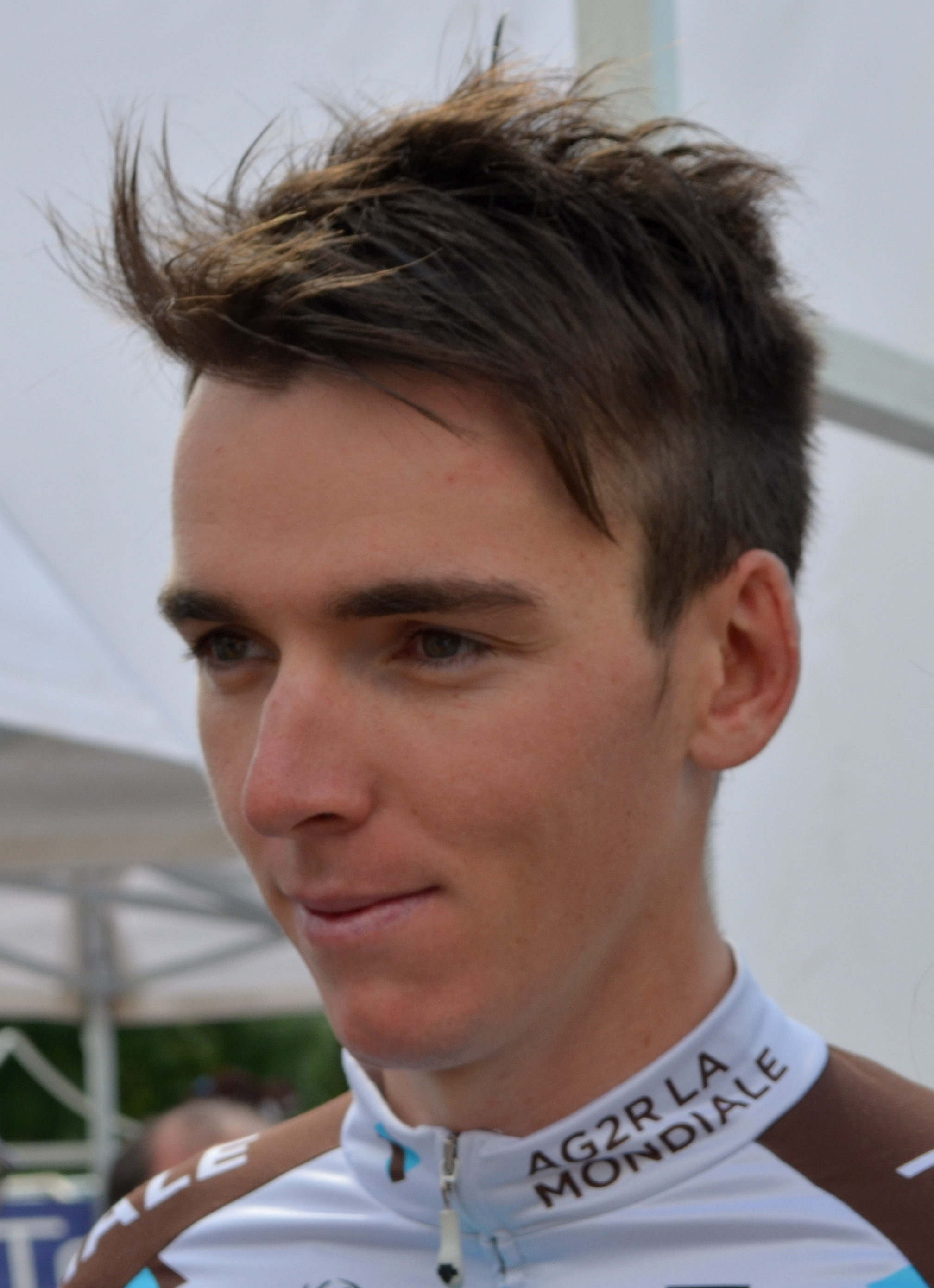 The 27-year old son of father (?) and mother(?) Romain Bardet in 2018 photo. Romain Bardet earned a  million dollar salary - leaving the net worth at 0.2 million in 2018