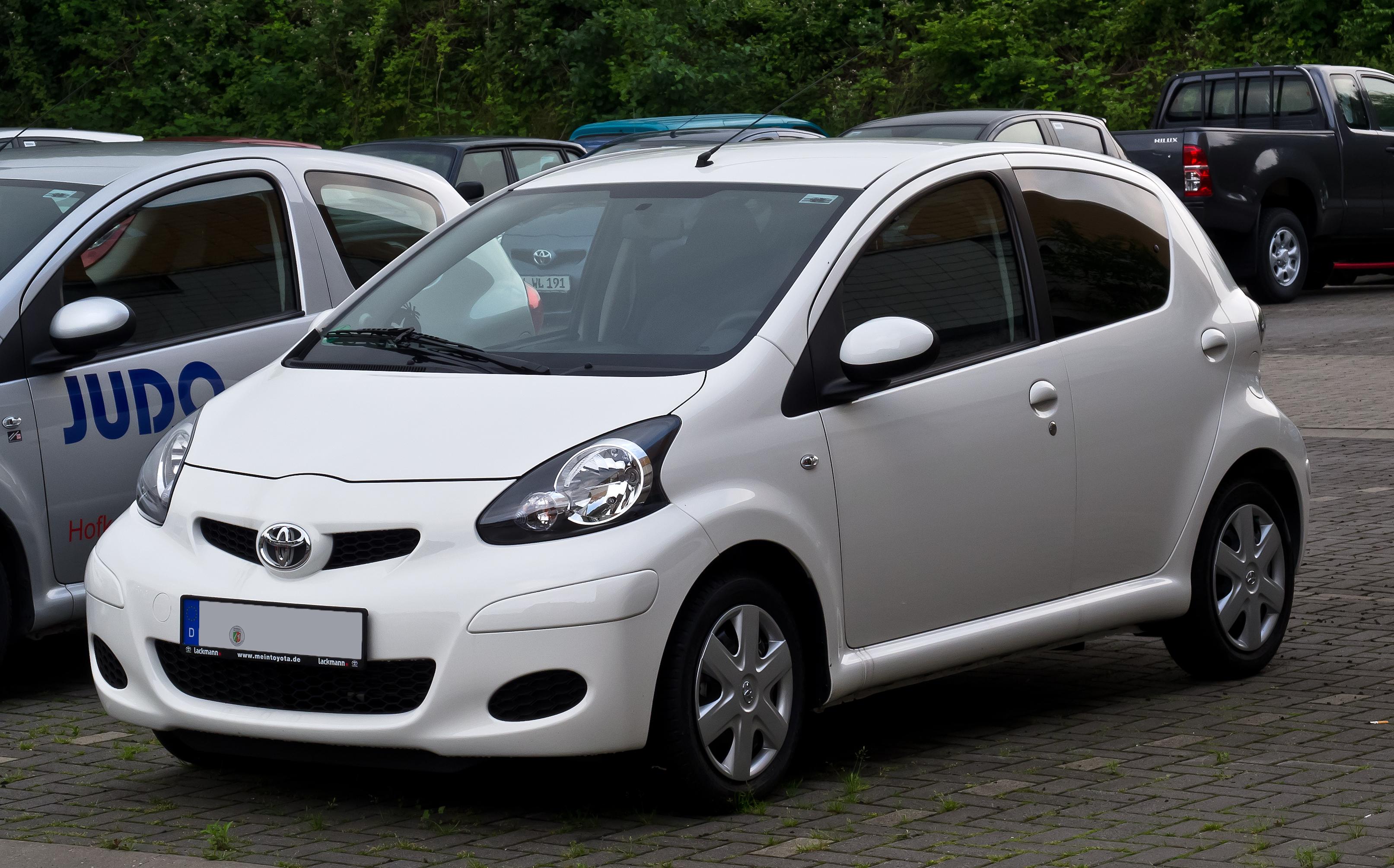 File:Toyota Aygo (Facelift) – Frontansicht, 20. Juni 2012 ...