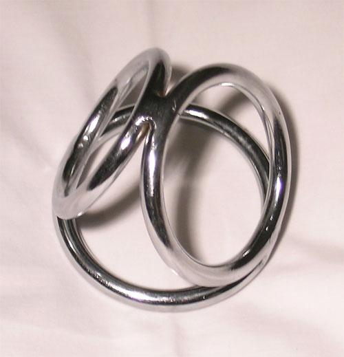 Triple_cock_ring.jpg