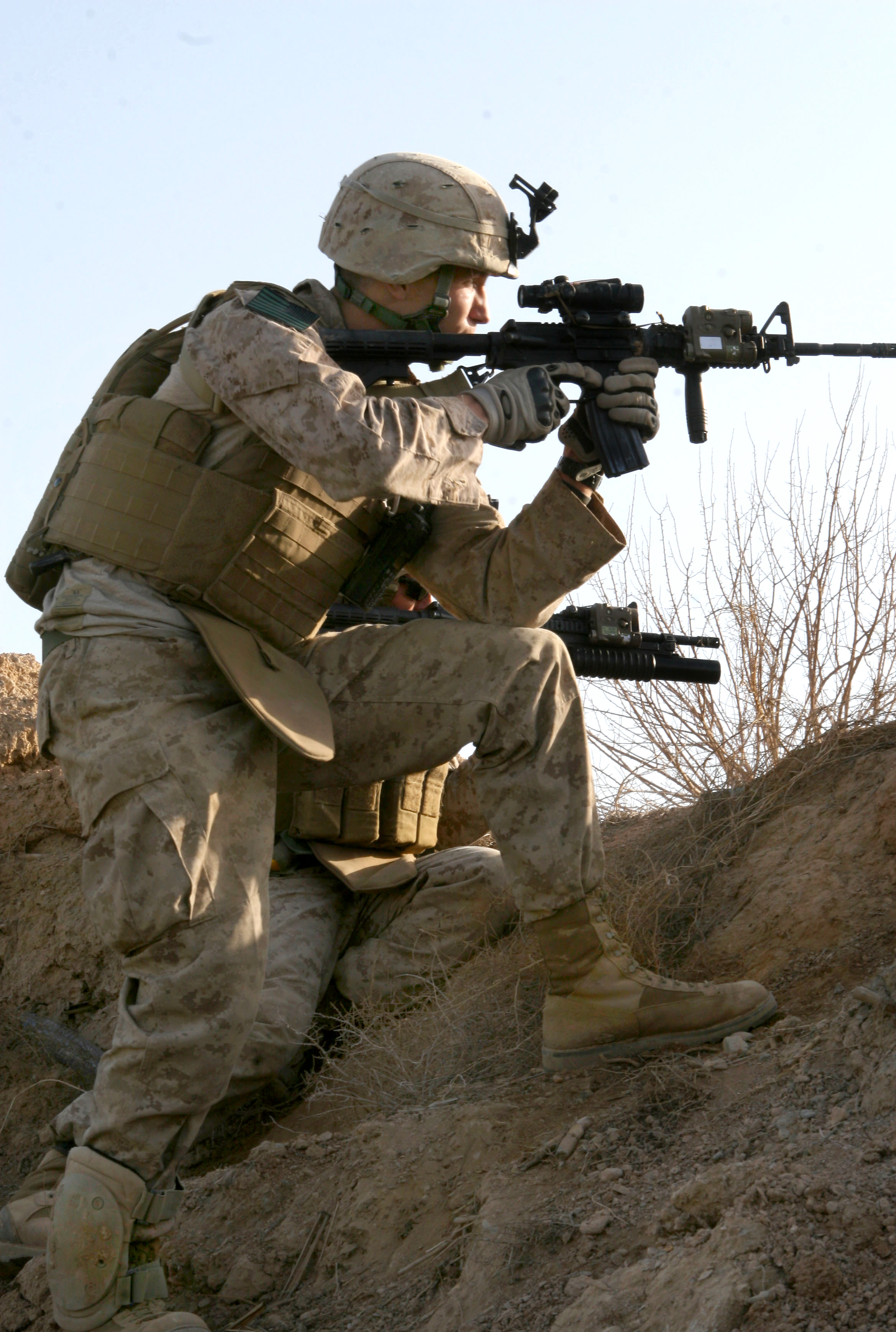 File:USMC in action in Marja 2010-02-13 4.jpg - Wikimedia ...