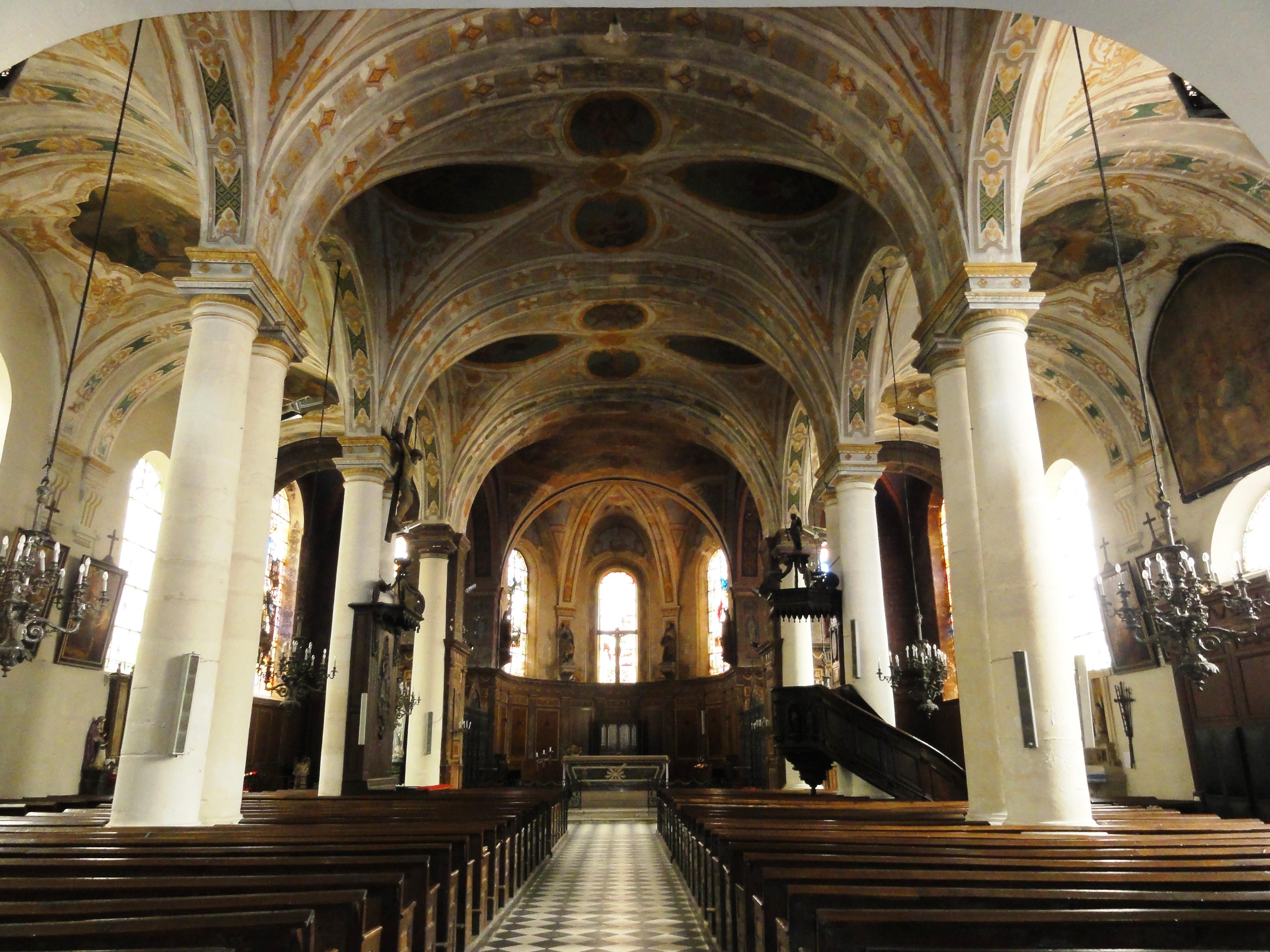 File vaucouleurs meuse glise saint laurent int rieur for Interieur eglise