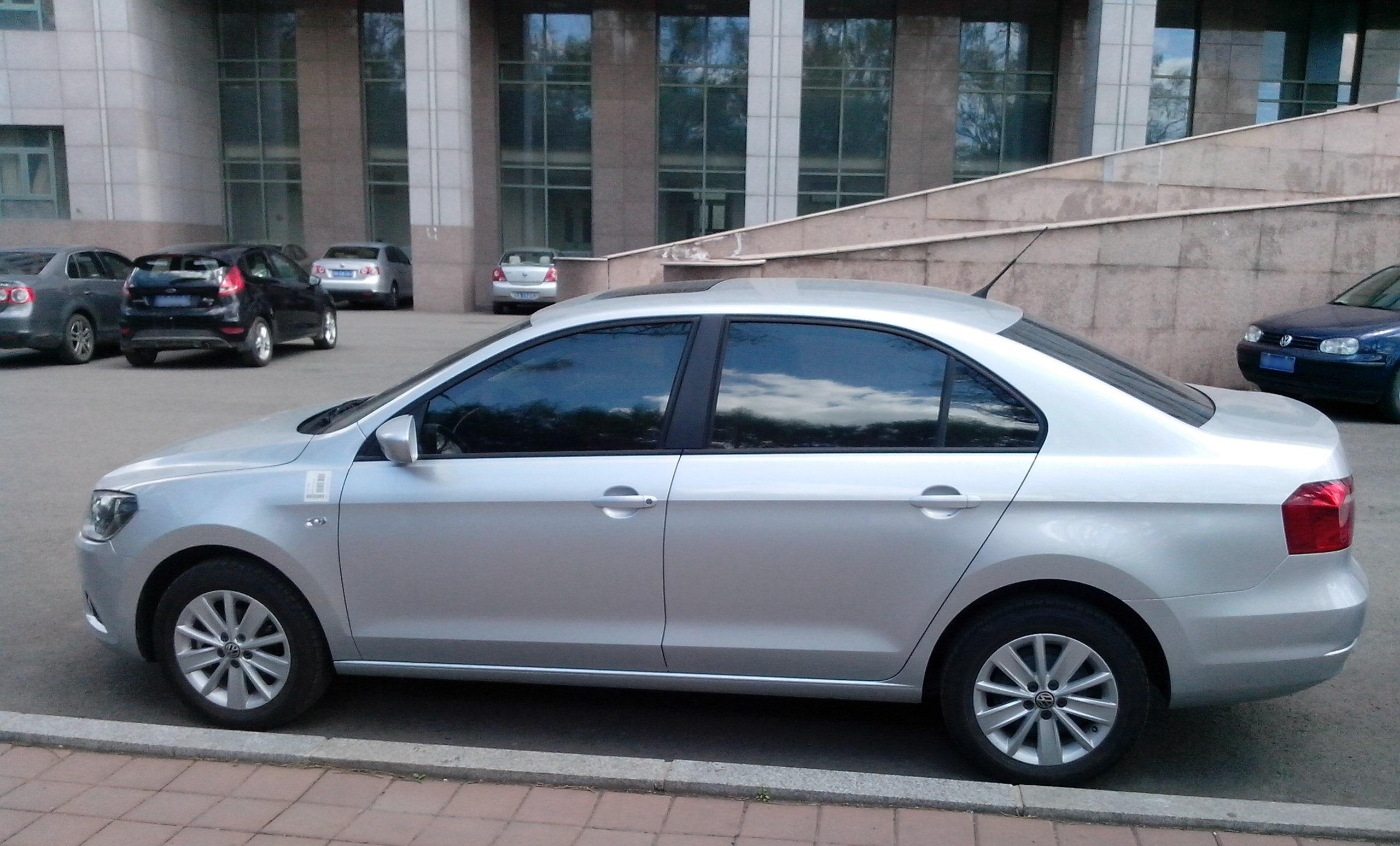 File:Volkswagen Jetta 2013 (Chinese market), side view.jpg ...