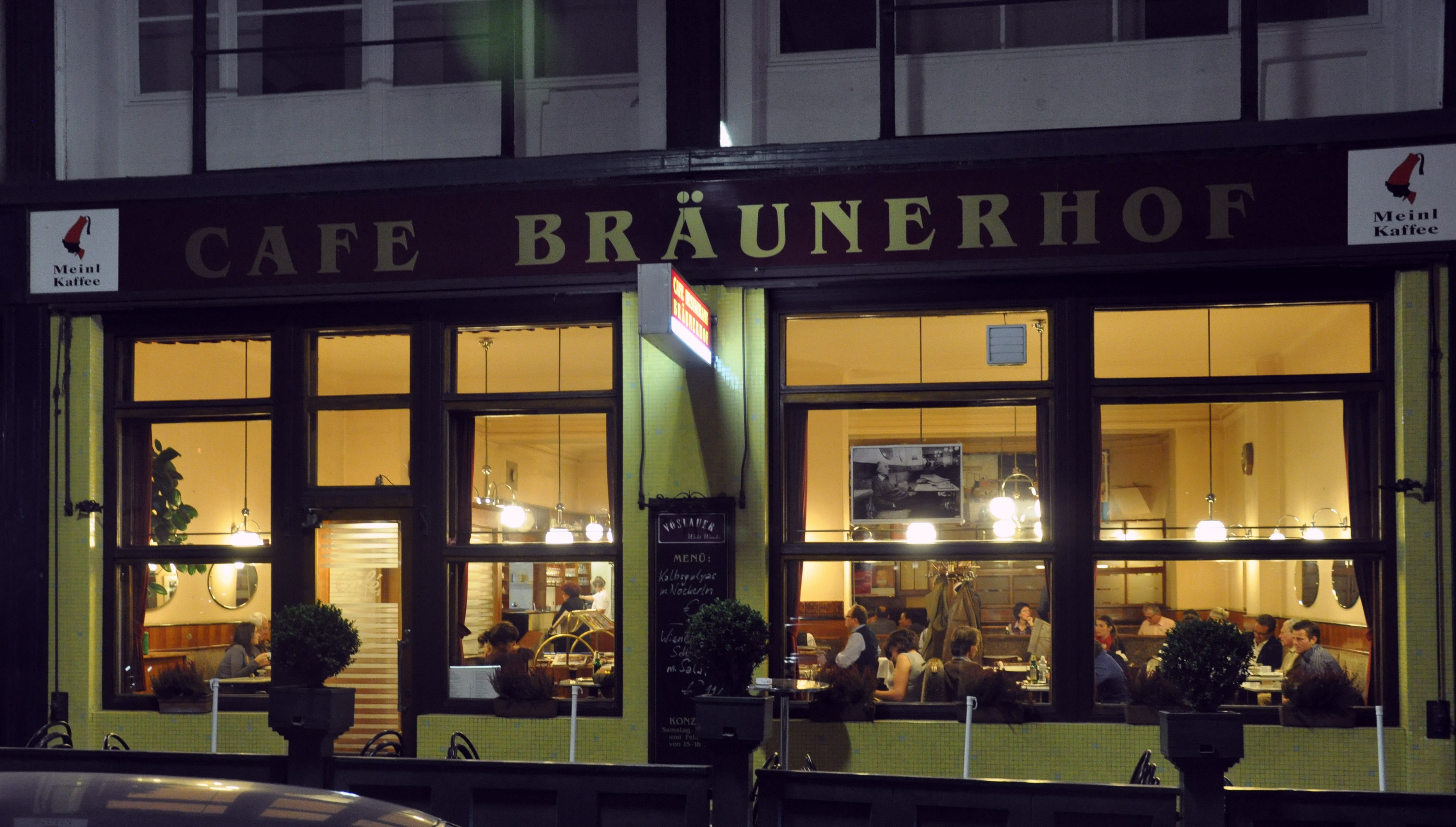 Caf Ef Bf Bd Restaurant  Avenue Pierre Mend Ef Bf Bds France