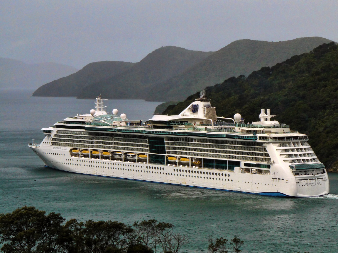 FileRadiance Of The Seas In Queen Charlotte Soundjpg - Queen of the seas cruise ship