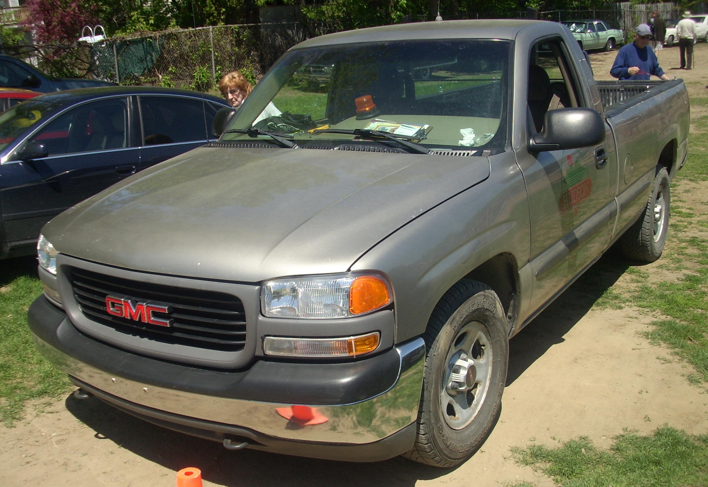 File:'99-'02 GMC Sierra Regular Cab (Hudson).JPG ...