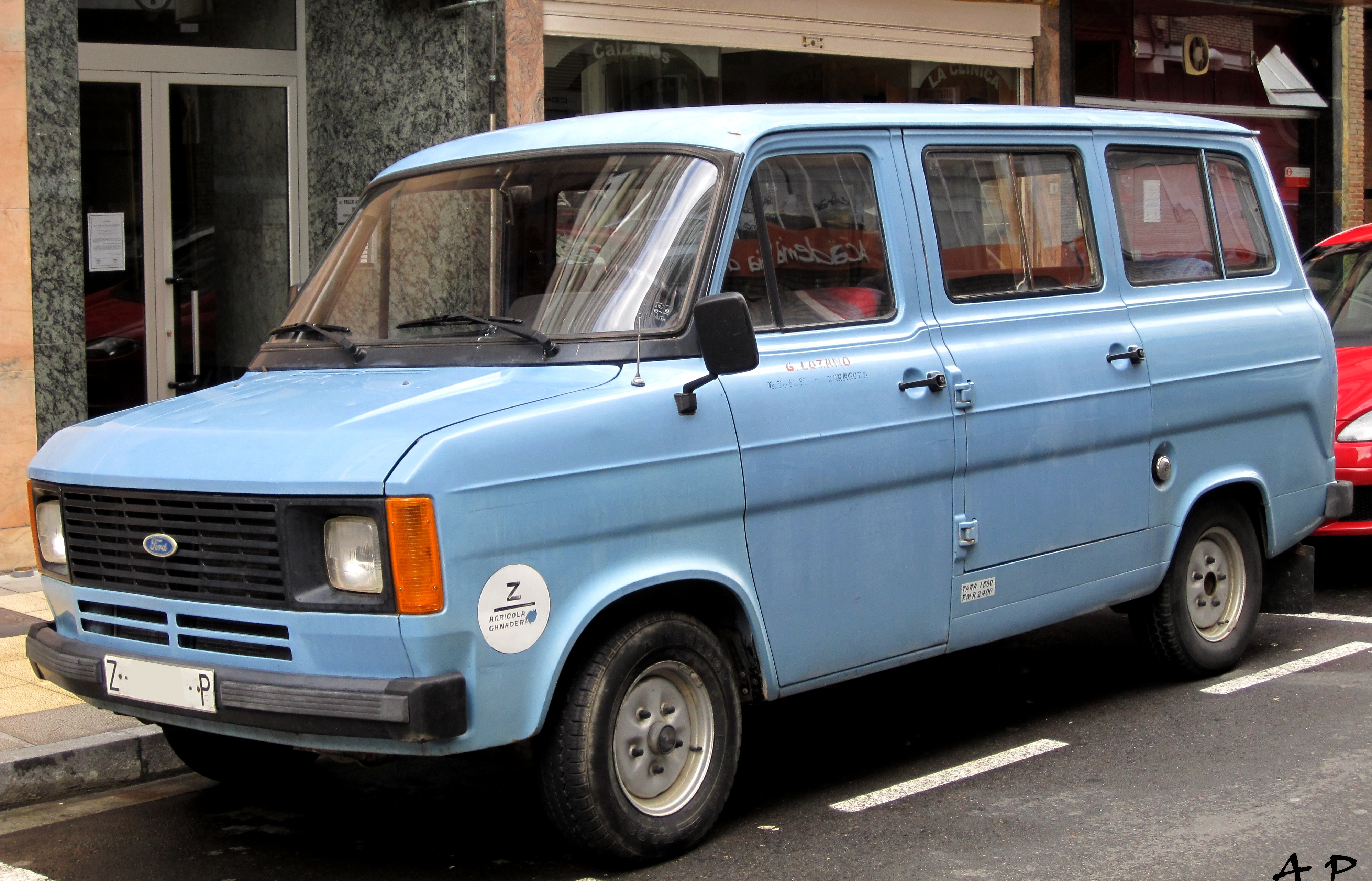 file 1982 ford transit l mkii 5133458572 jpg wikimedia commons. Black Bedroom Furniture Sets. Home Design Ideas
