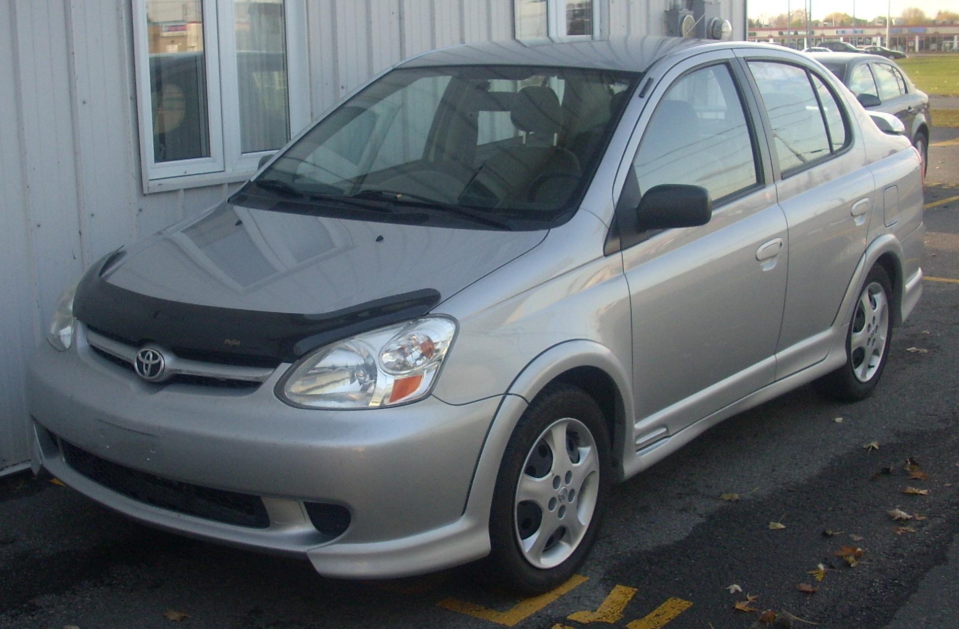 File2003 05 Toyota Echo Sedan