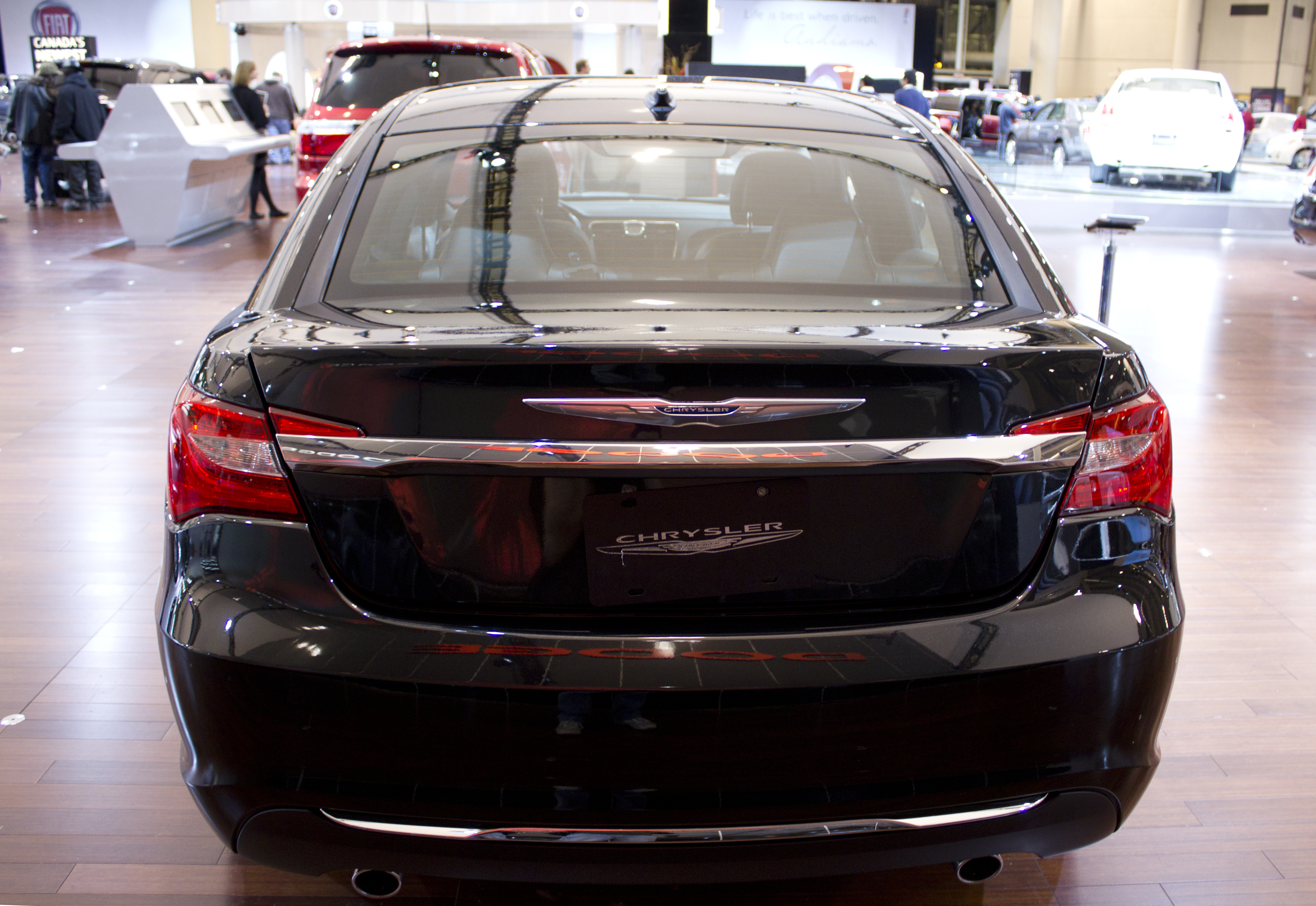 Chrysler 200 Limited >> File:2011 Chrysler 200 Limited back.jpg - Wikimedia Commons