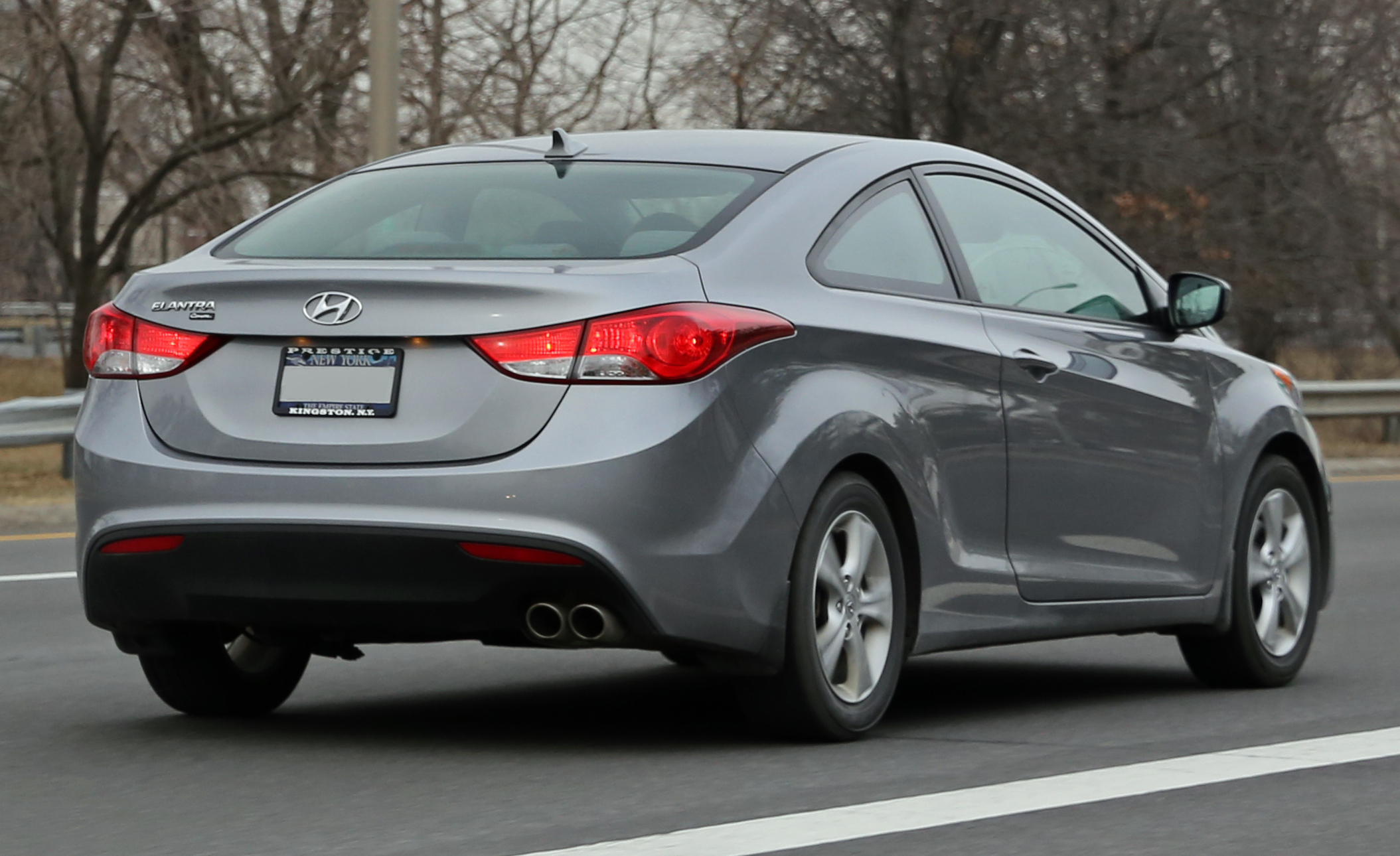 Hyundai Elantra Coupe >> File 2014 Hyundai Elantra Coupe On I 95 Jpg Wikimedia Commons