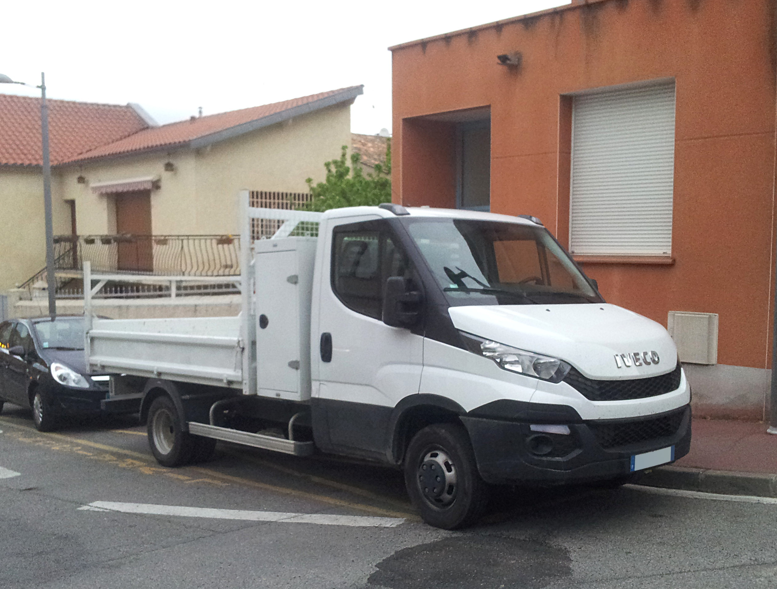file 2015 iveco daily chassis cab wikimedia commons. Black Bedroom Furniture Sets. Home Design Ideas